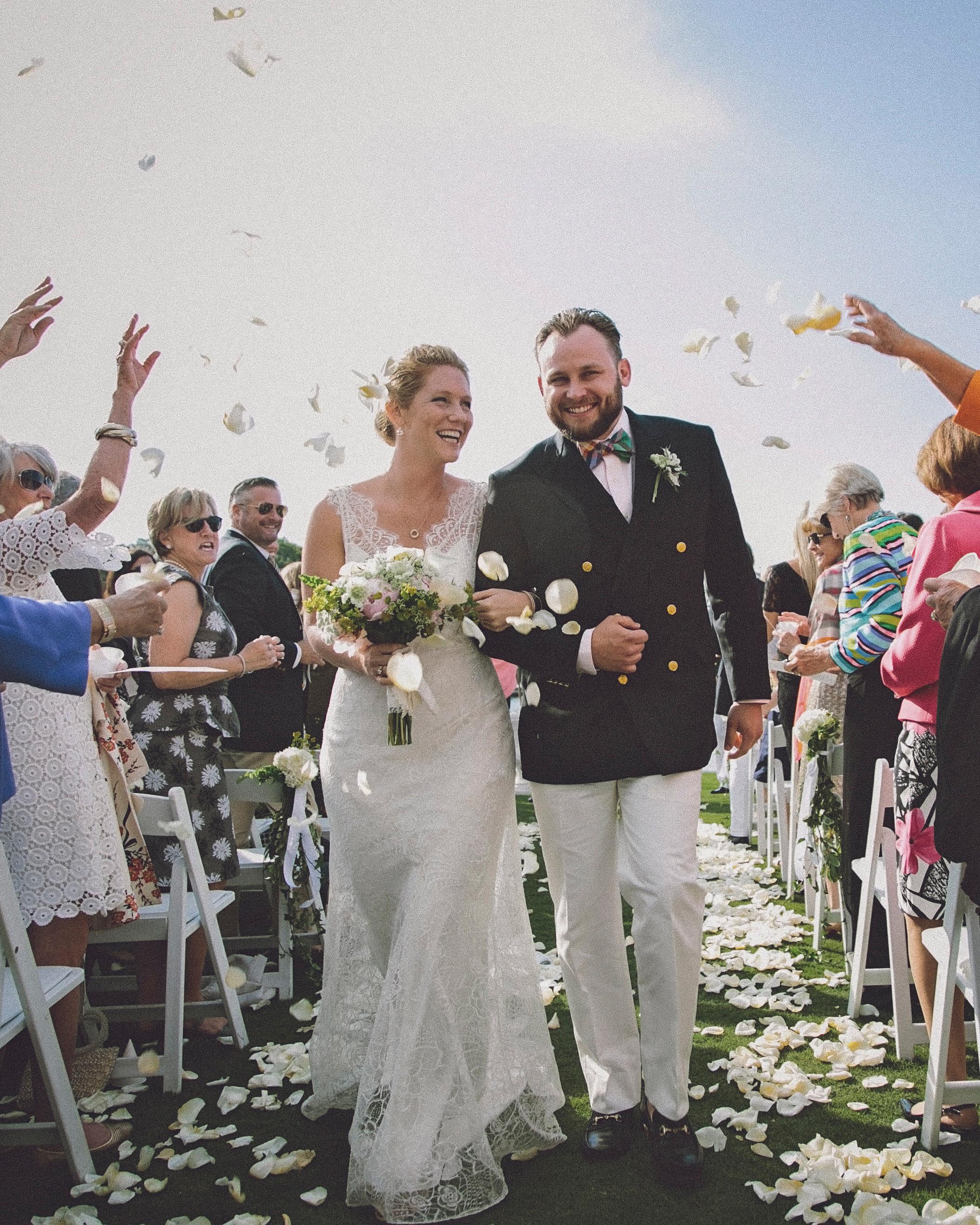 molly-greg-wedding-toss-00052-s111481-0814.jpg