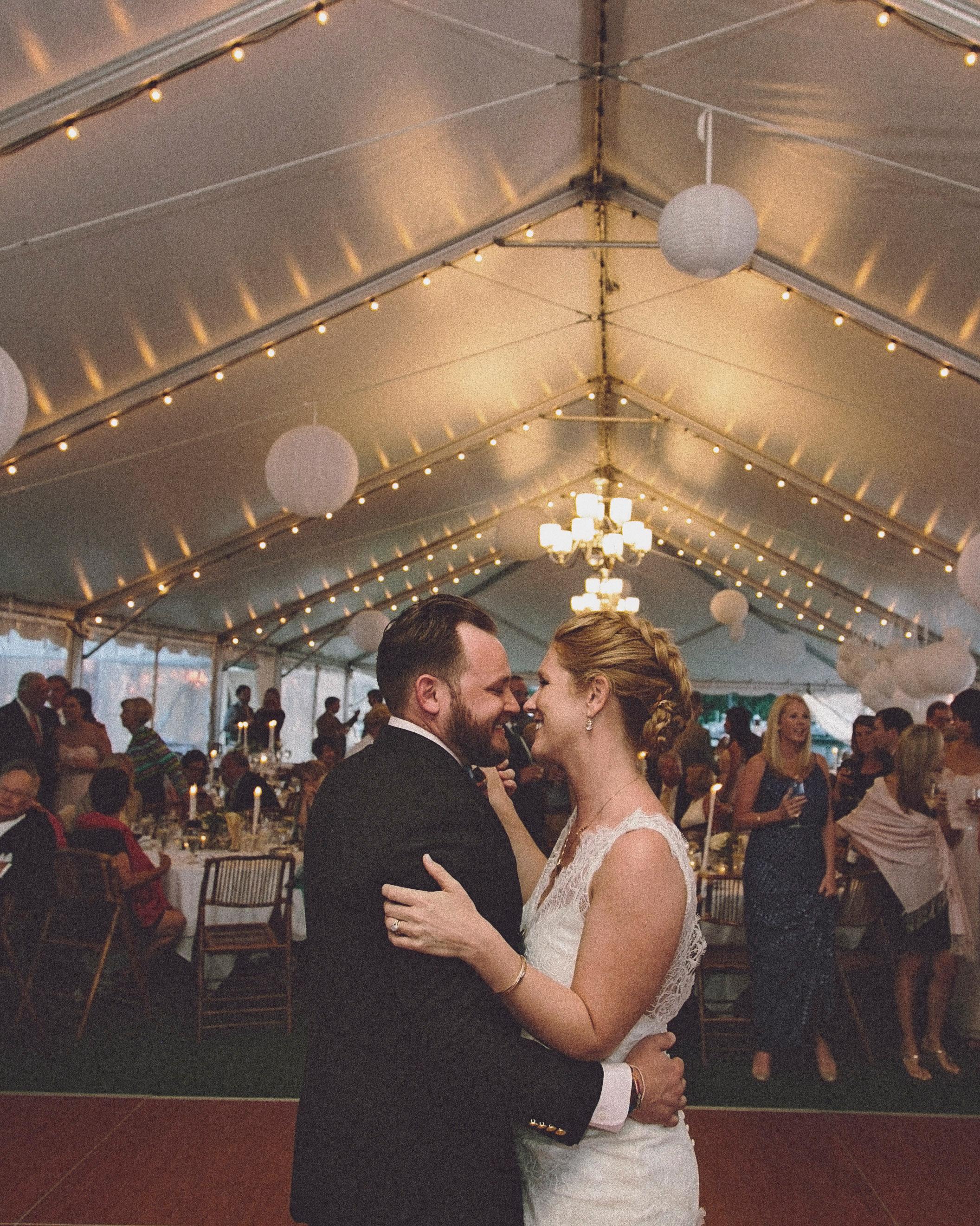 molly-greg-wedding-dance-00092-s111481-0814.jpg