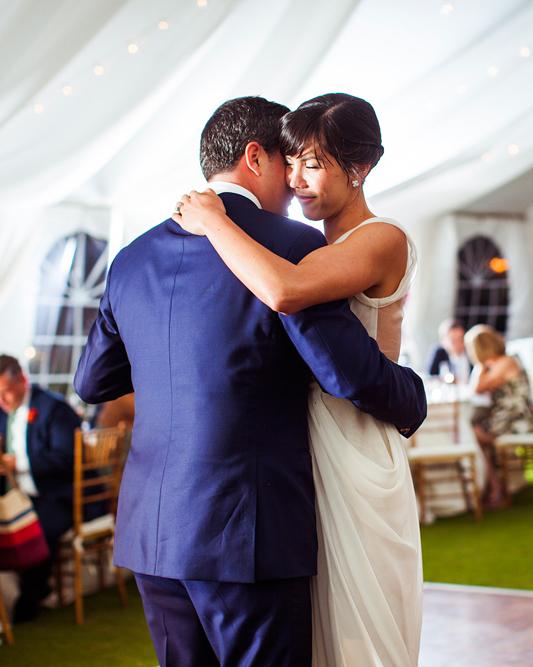 real-wedding-fall14-liz-and-michael-6101-ds111296-0814.jpg