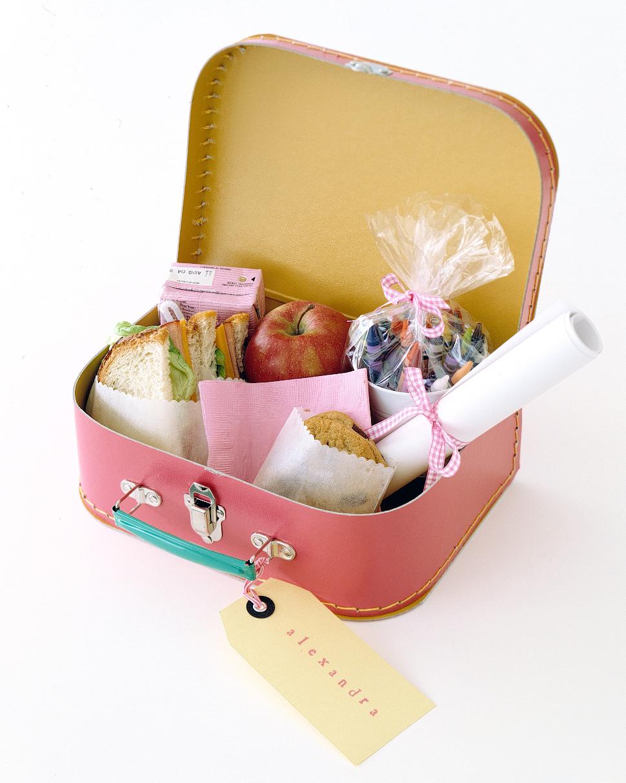 clooney-kids-table-lunchbox-0914.jpg