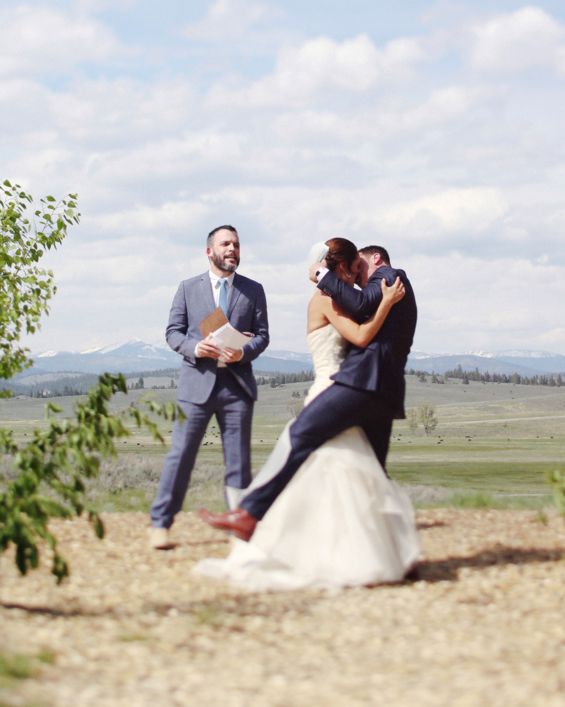 jamie-ryan-wedding-kiss-046-s111523-0914.jpg