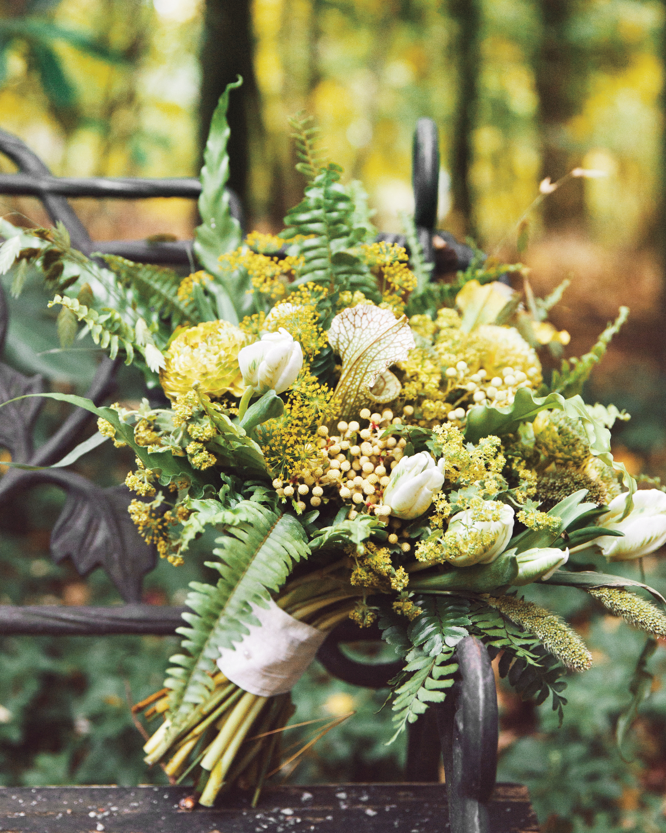 lr-chelsa-dennis-wed-bouquet-041-ds111142.jpg