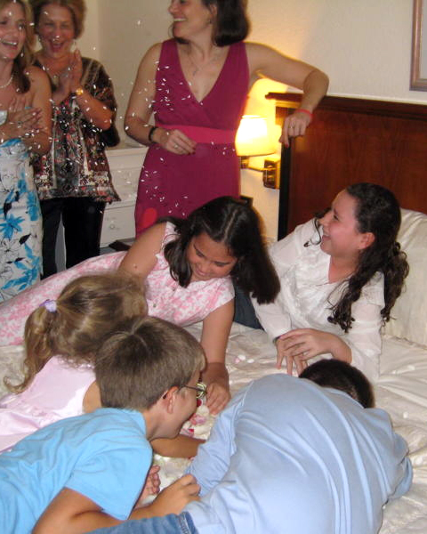 cultural-prewedding-celebrations-making-of-the-bed-greece-kids-1014.jpg