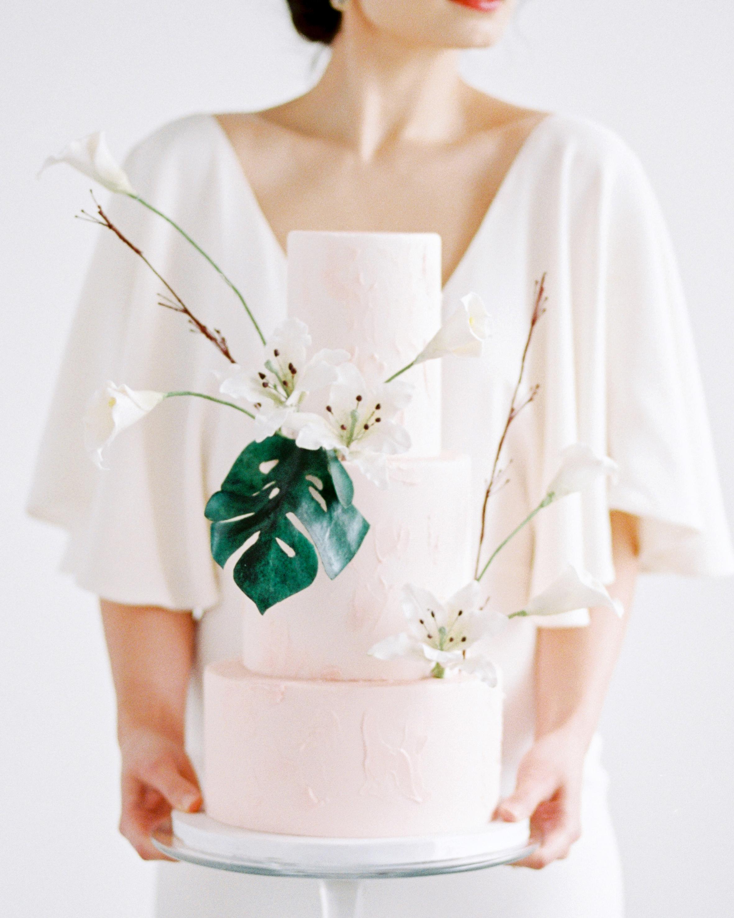 tropical wedding monstera sugar leaf on simple cake