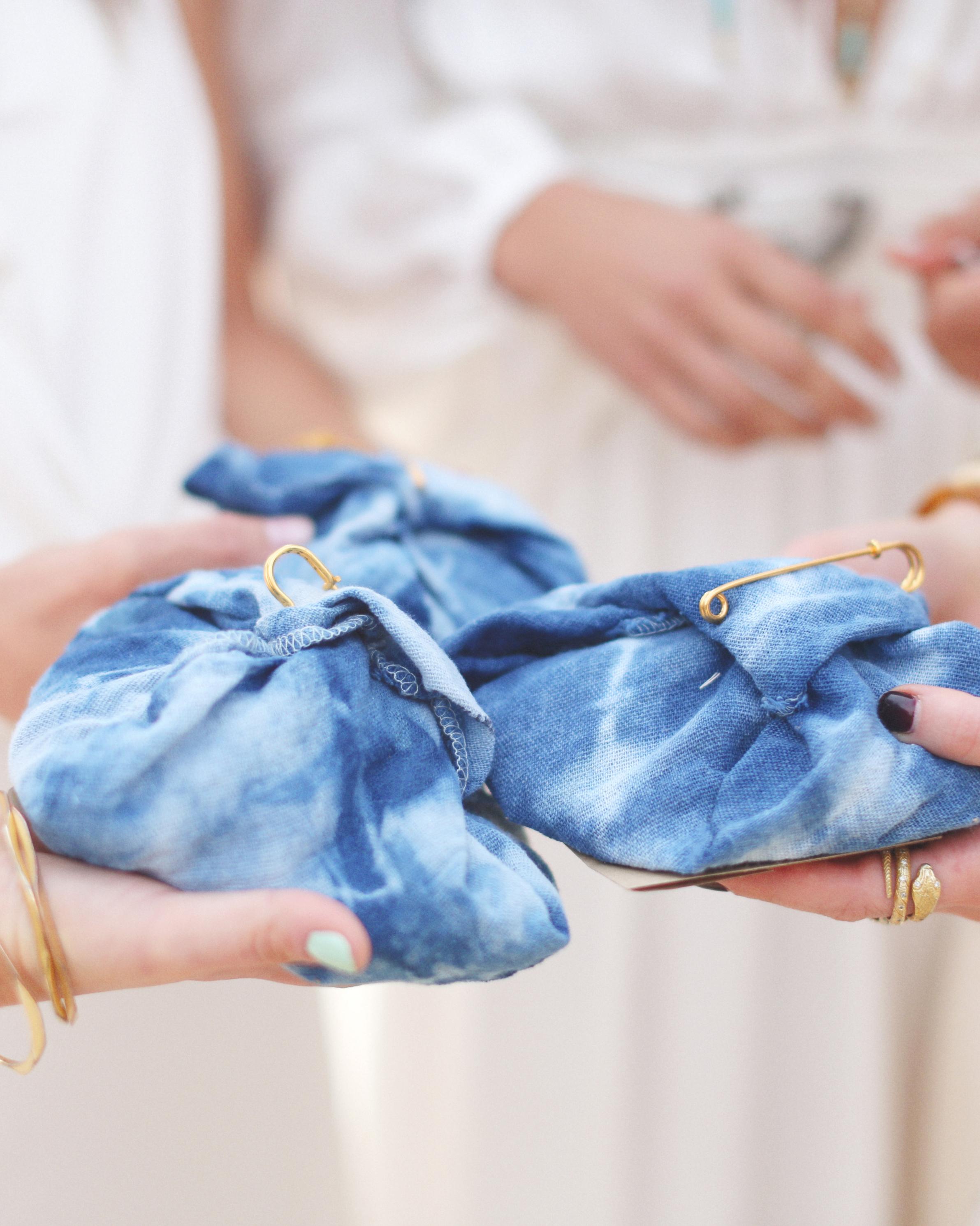 christen-billy-wedding-gifts-106-011-s111597-1014.jpg