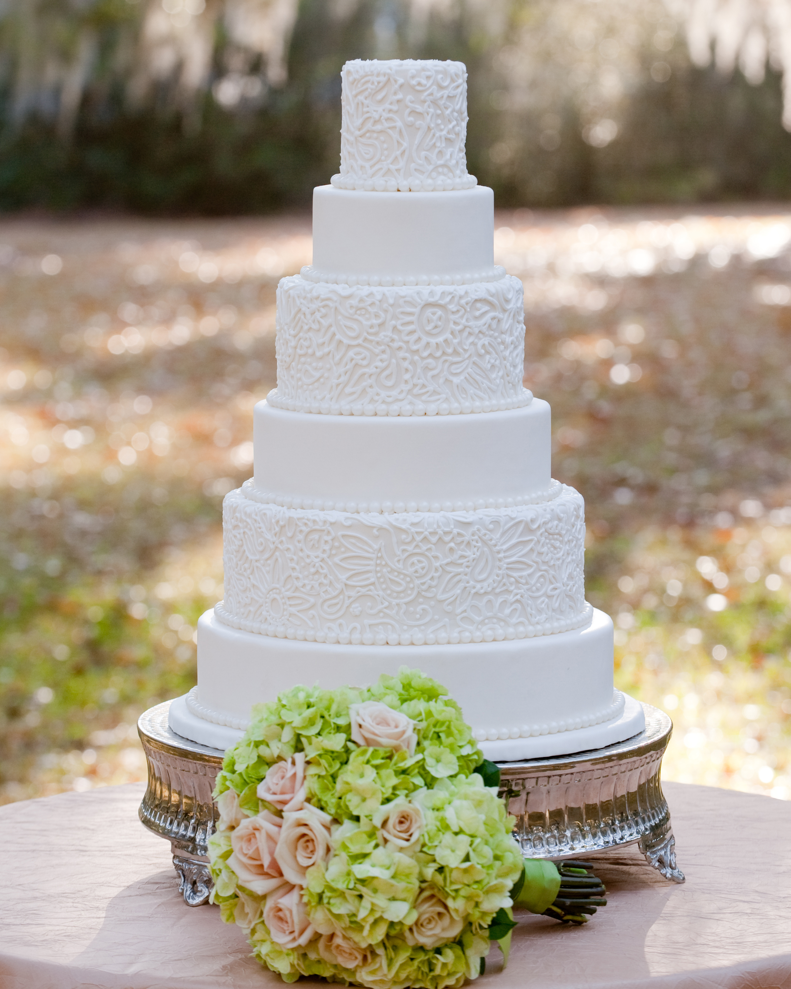 south-carolina-location-scout-wedding-cake-croissants-bistro-and-bakery-1114.jpg