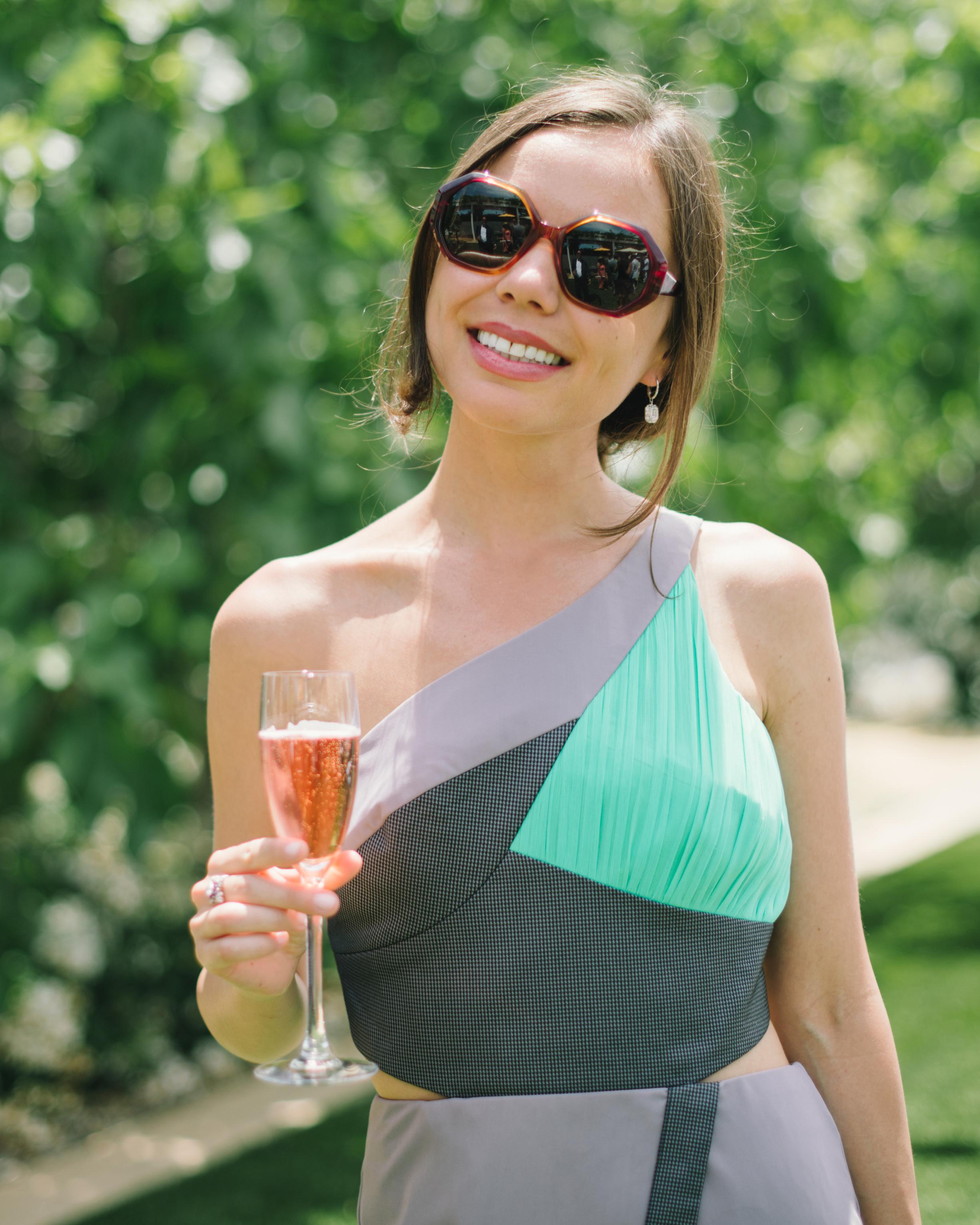 vanessa-joe-wedding-champange-7996-s111736-1214.jpg