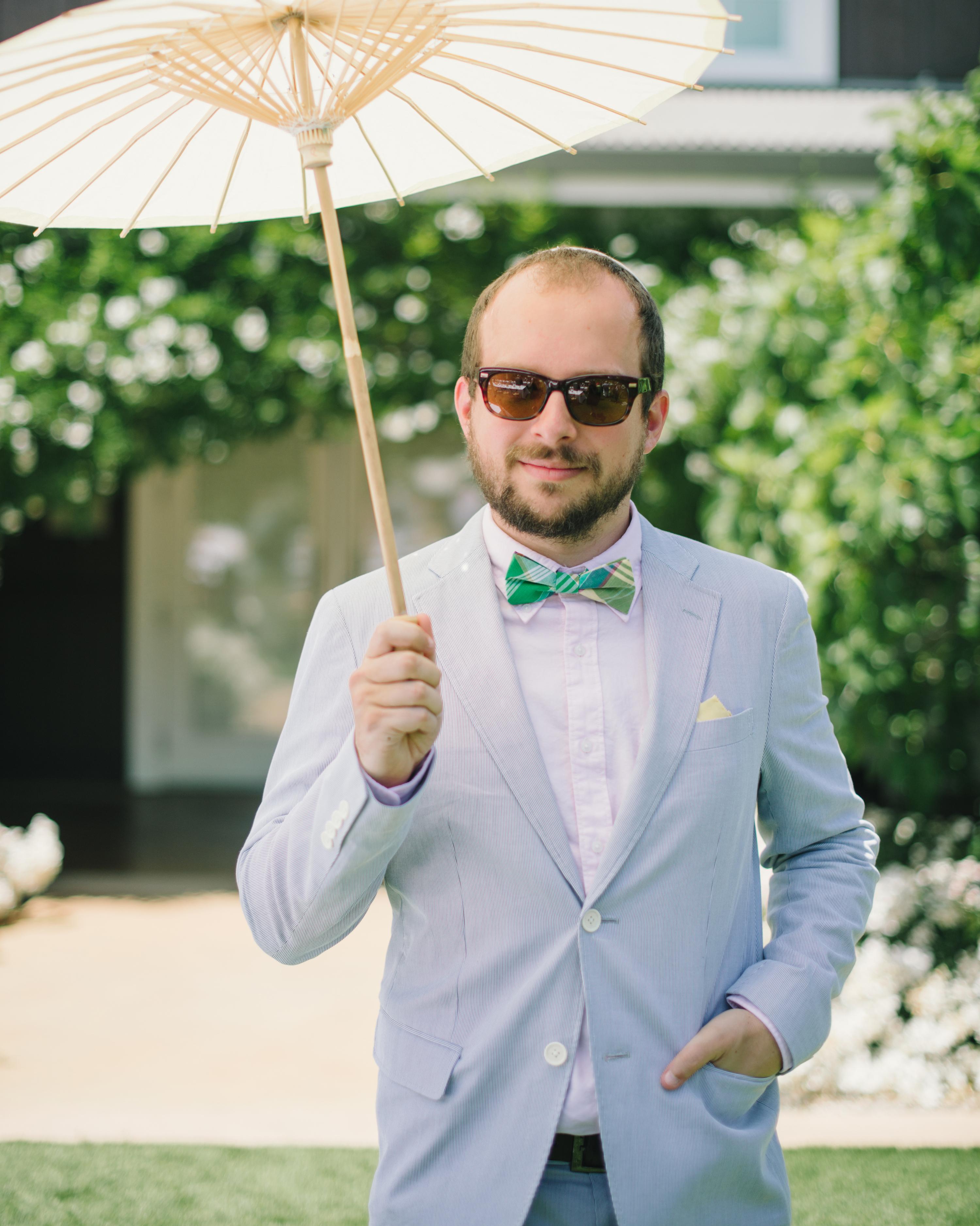vanessa-joe-wedding-parasol-7960-s111736-1214.jpg