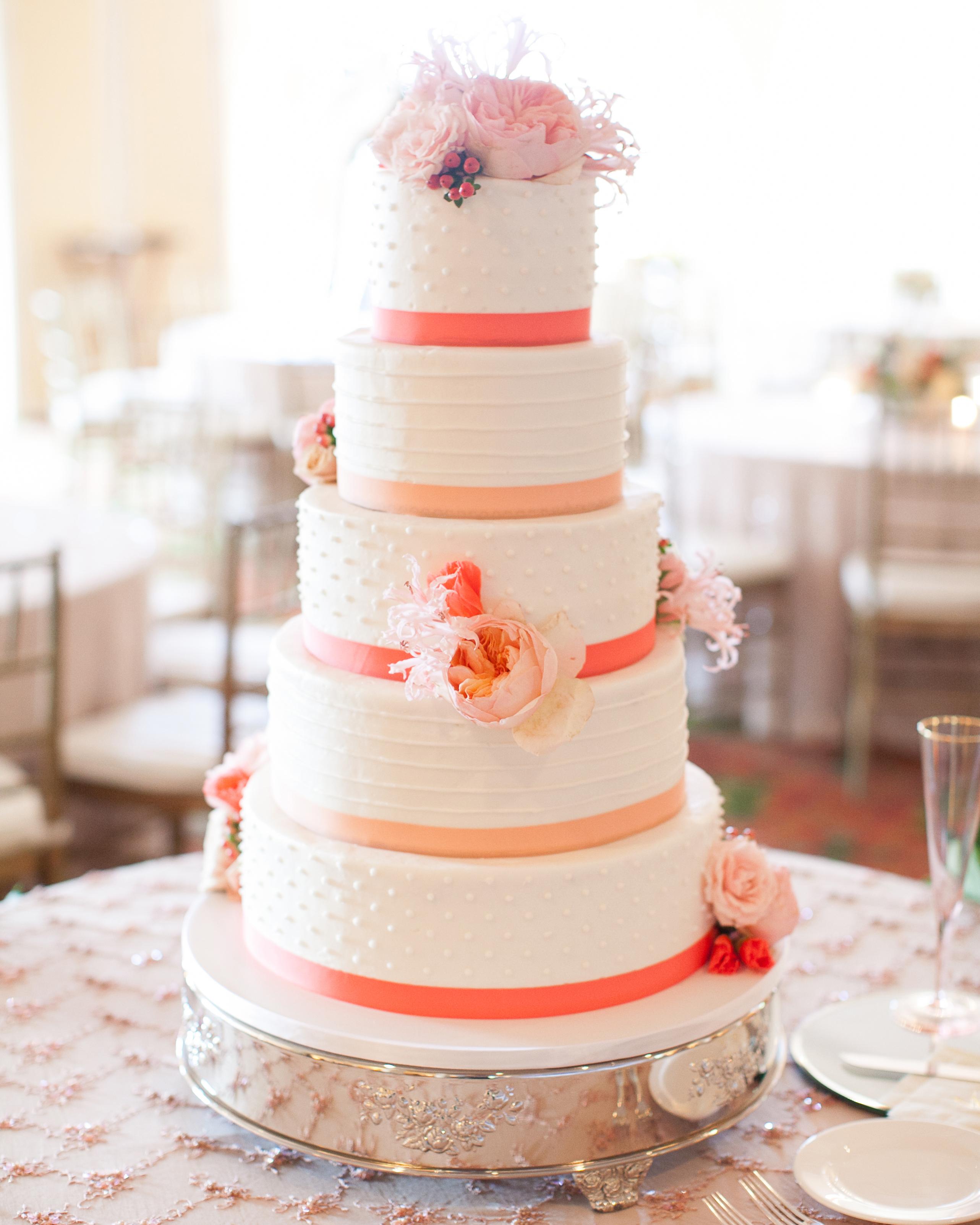 molly-patrick-wedding-cake-3524-s111760-0115.jpg