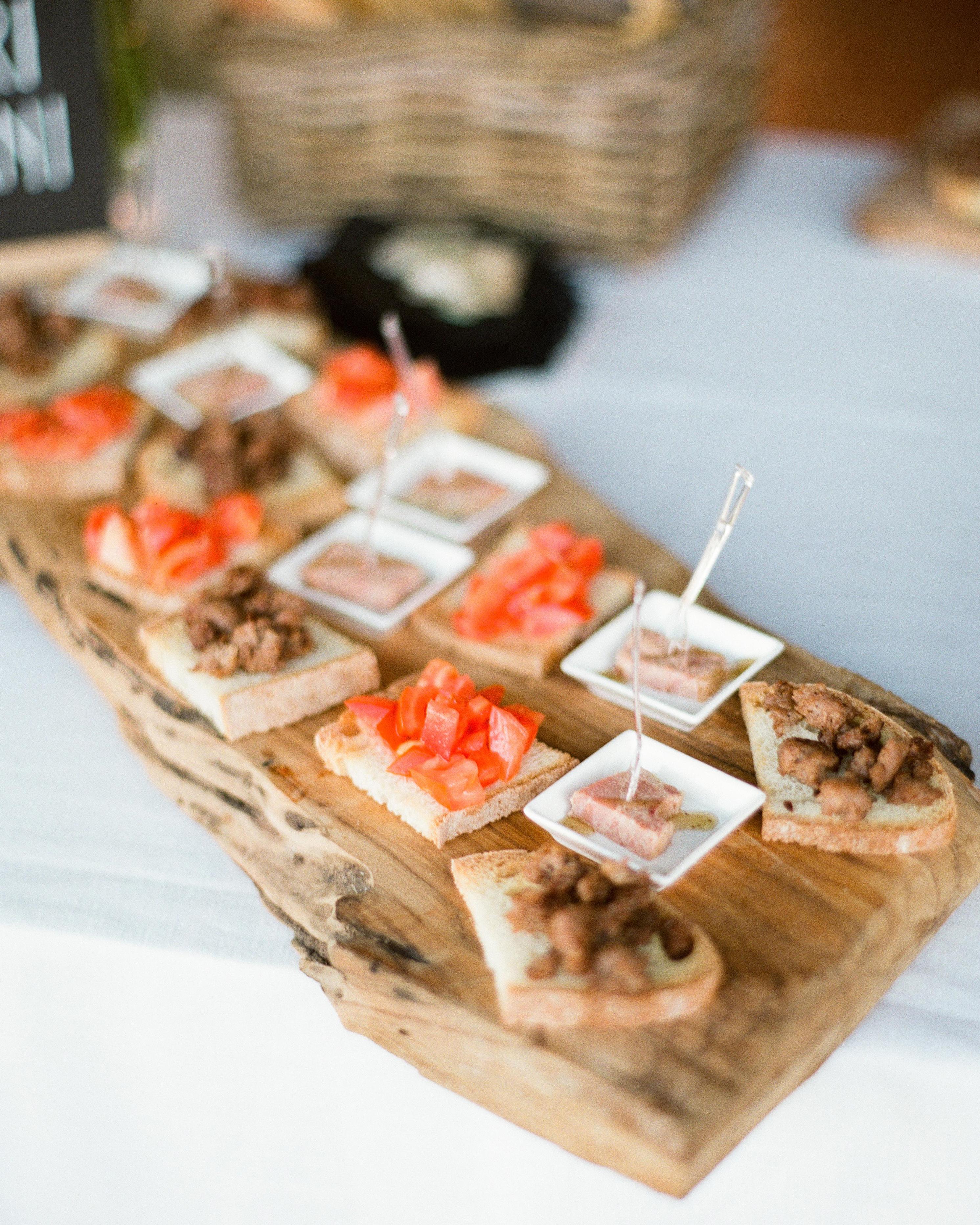 regina-jack-wedding-appetizers-58-s111820-0215.jpg