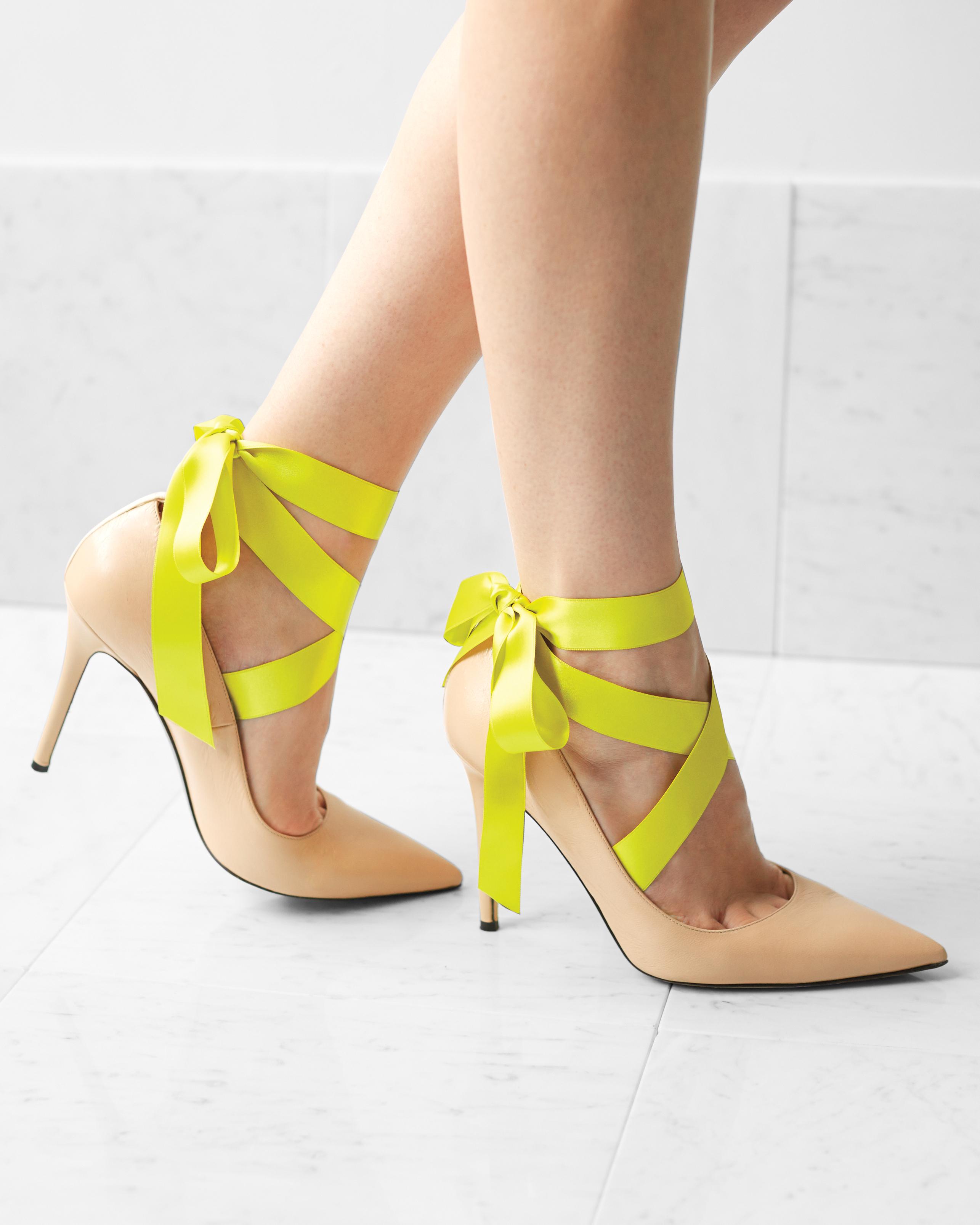 bridesmaid-green-ribbon-shoes-0259-d111712.jpg