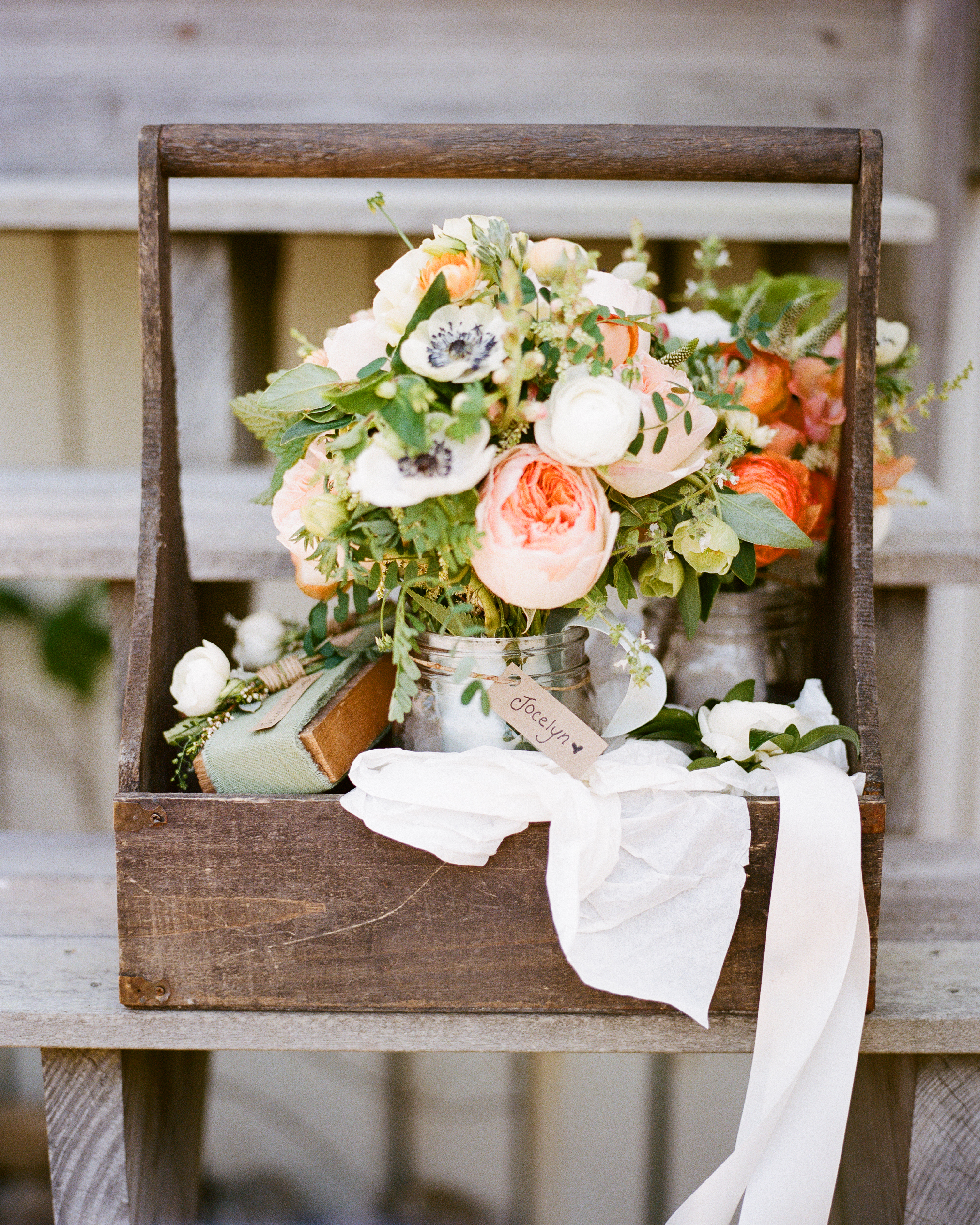 jocelyn-graham-wedding-bouquet-0346-s111847-0315.jpg
