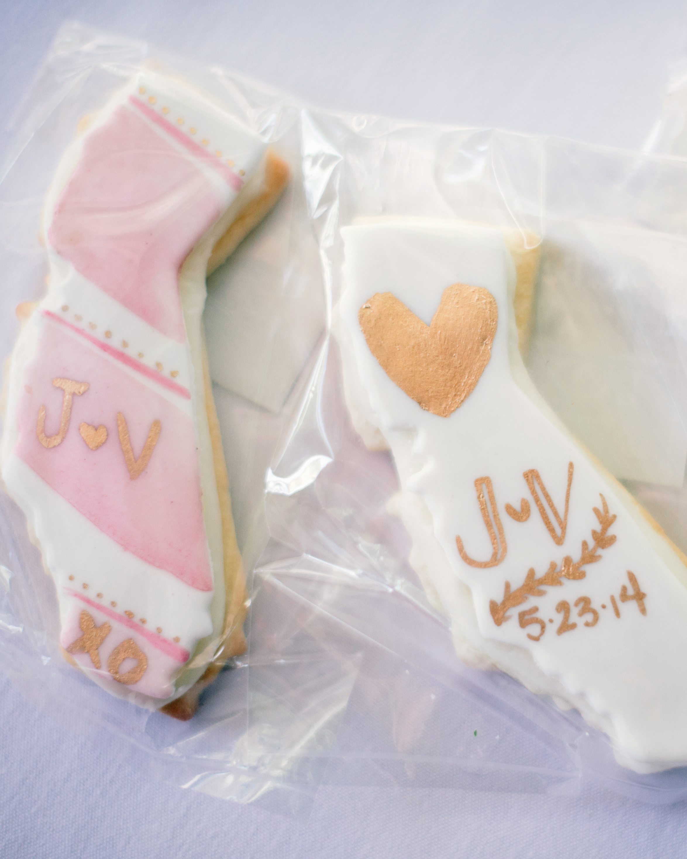 vanessa-joe-wedding-cookies-7956-s111736-1214.jpg