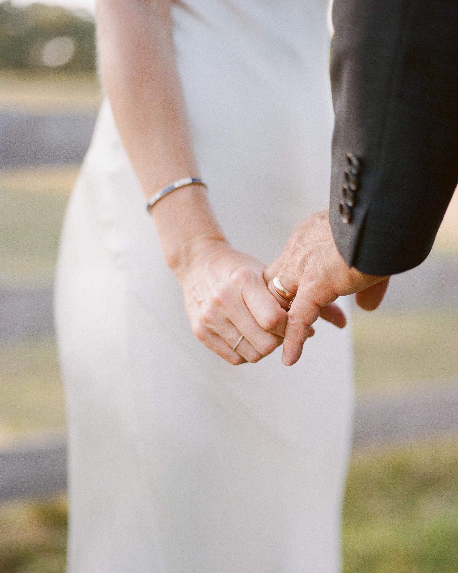 jocelyn-graham-wedding-hands-1150-s111847-0315.jpg