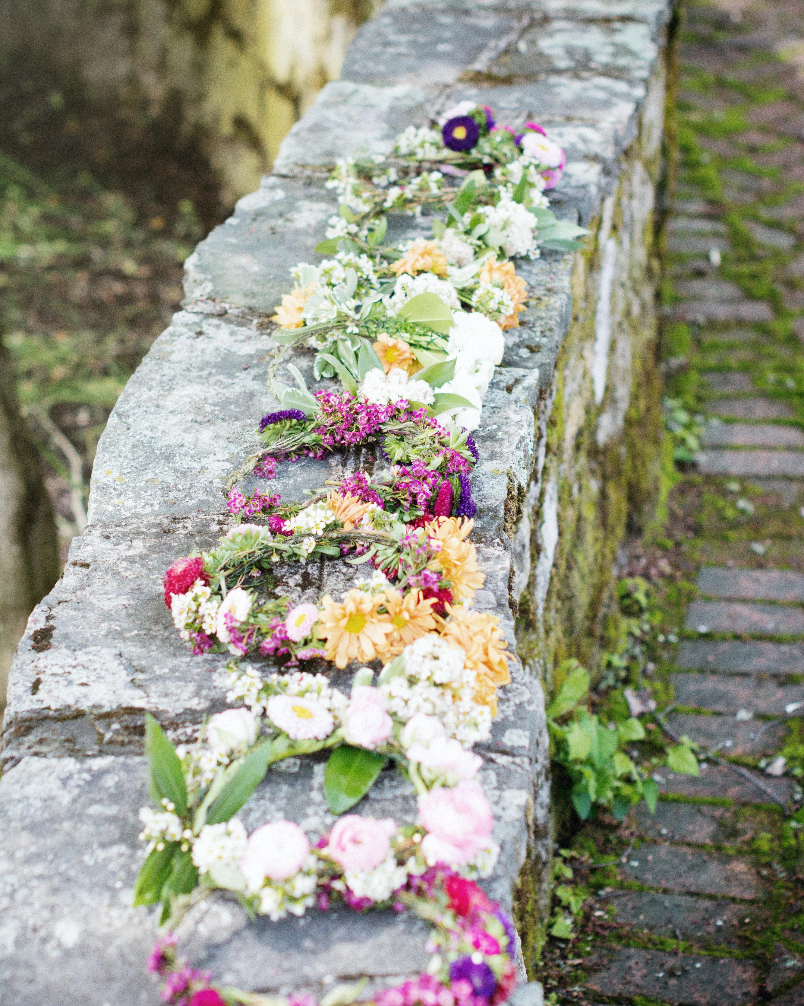 scavenger-hunt-bridal-shower-floral-head-wreath-0315.jpg