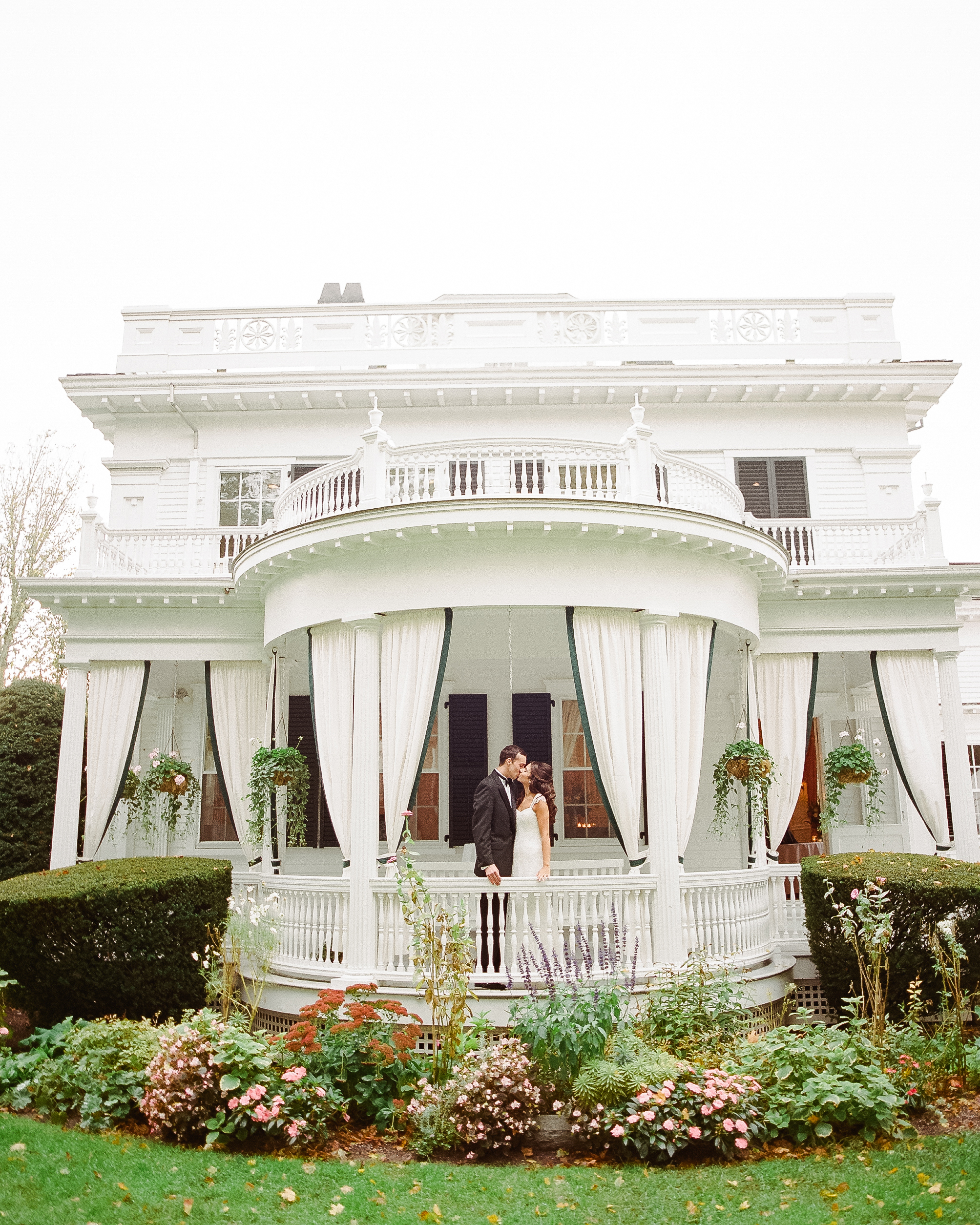 lindsay-garrett-wedding-couple-0771-s111850-0415.jpg