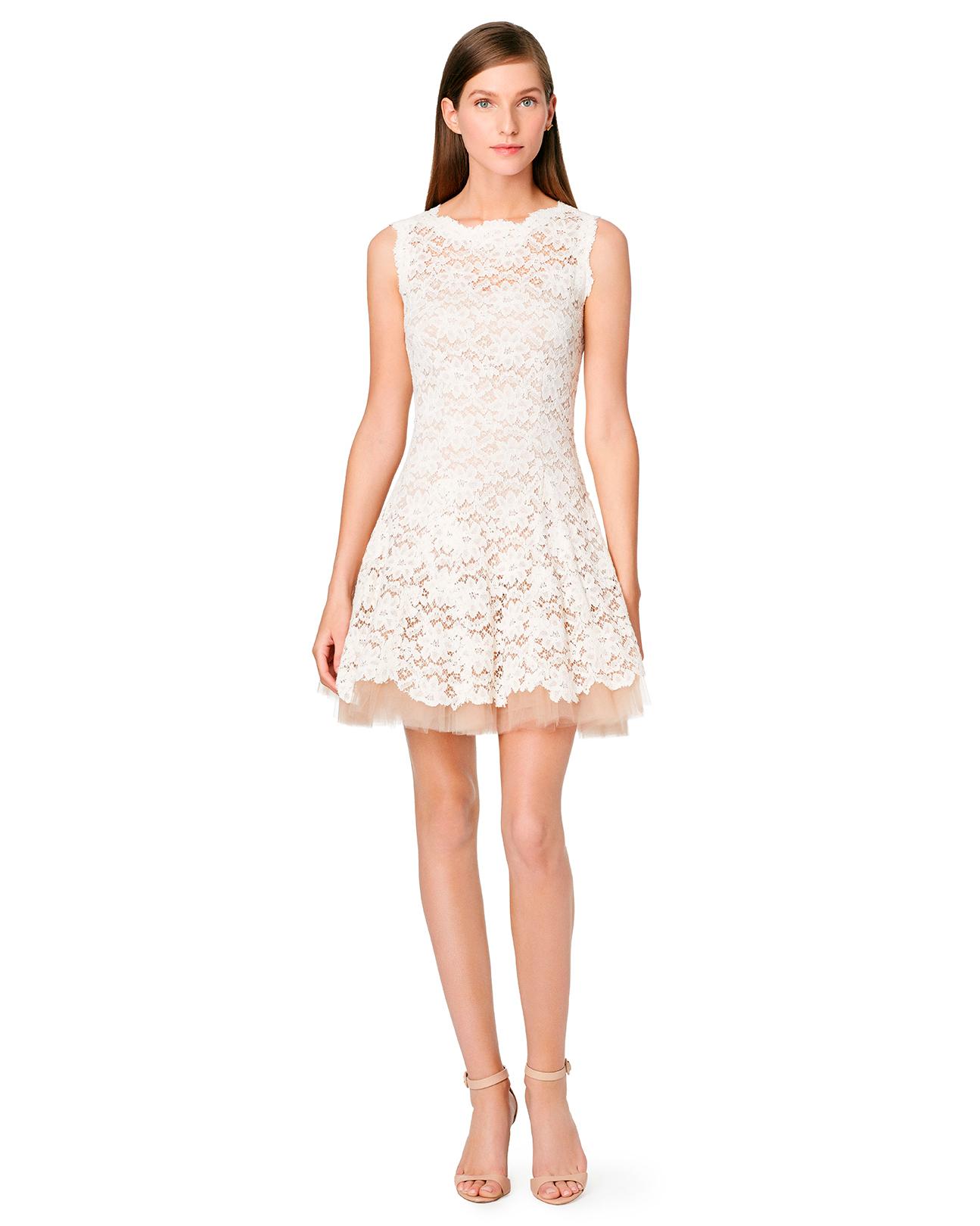 online-rental-wear-companies-rent-the-runway-dress-nha-khanh-0415.jpg