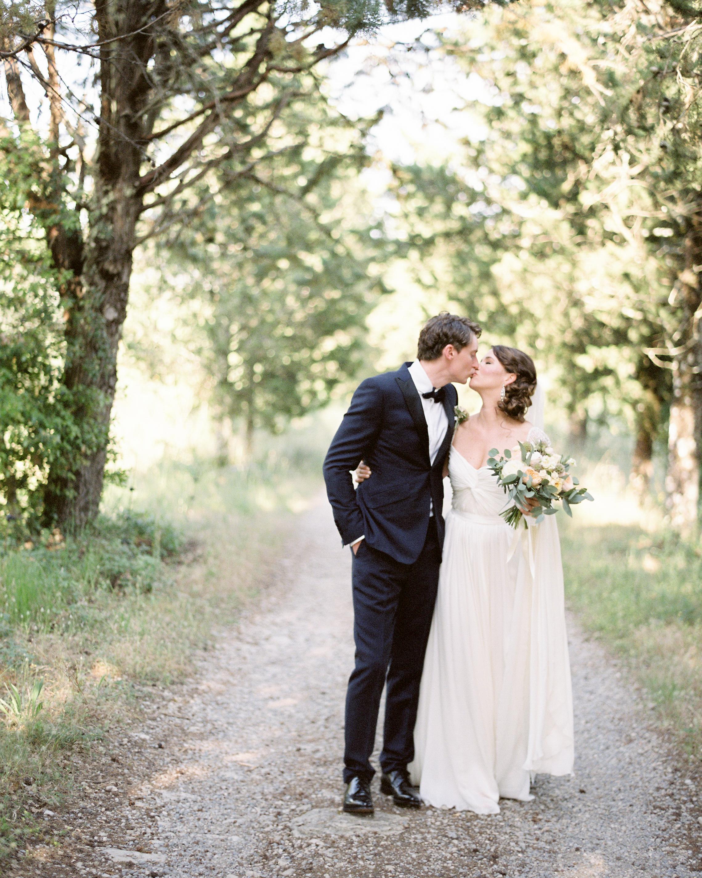lauren-ollie-wedding-couple-357-s111895-0515.jpg