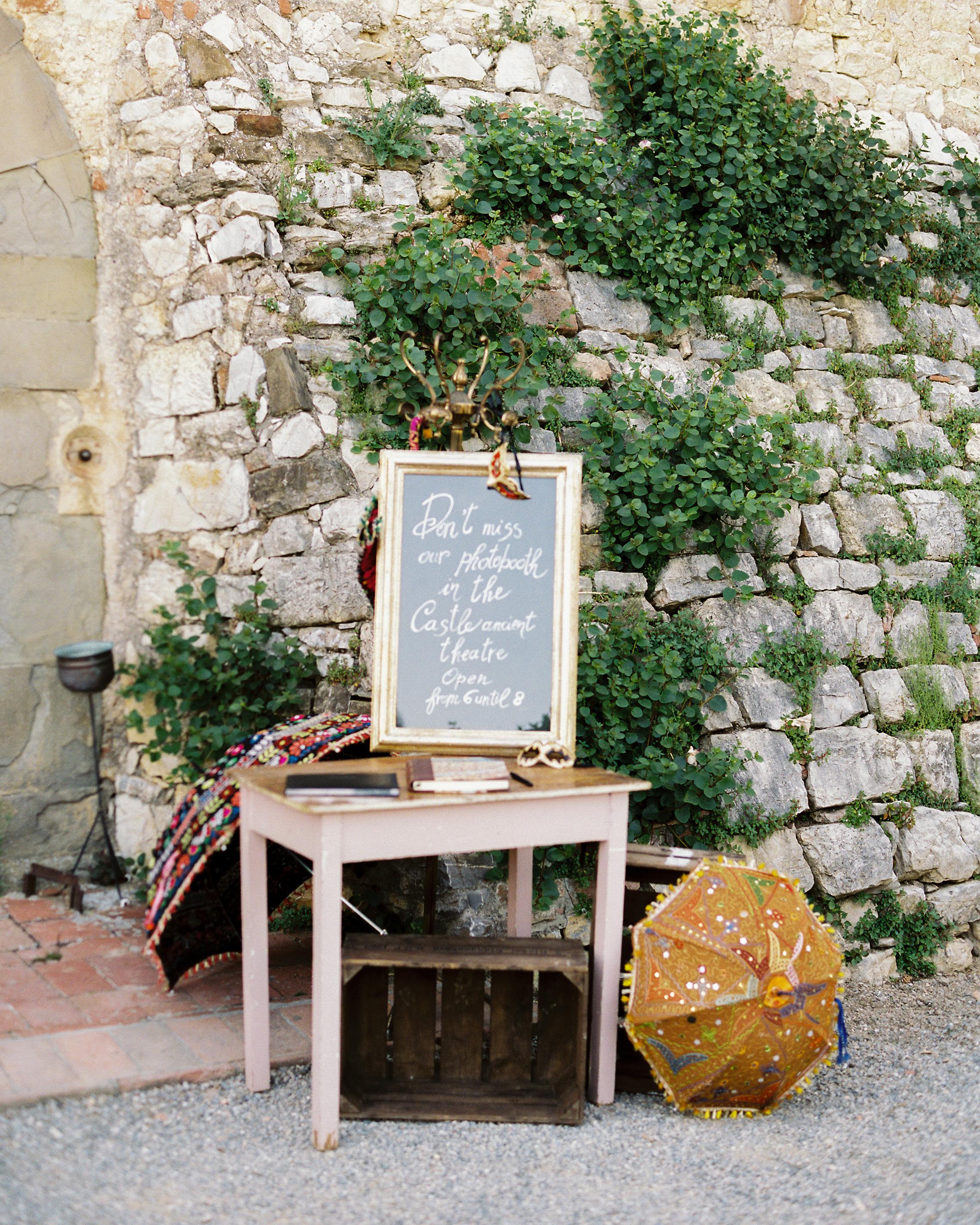 lauren-ollie-wedding-signage-172-s111895-0515.jpg