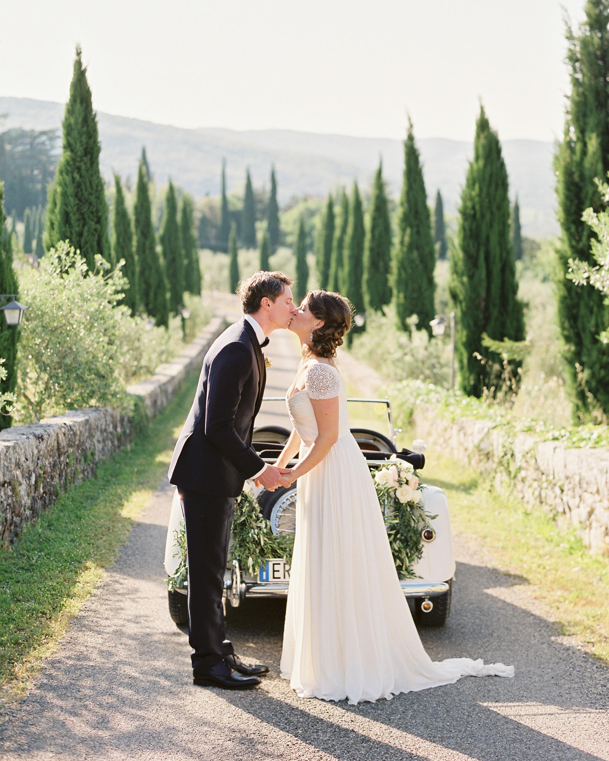 lauren-ollie-wedding-couple-401-s111895-0515.jpg