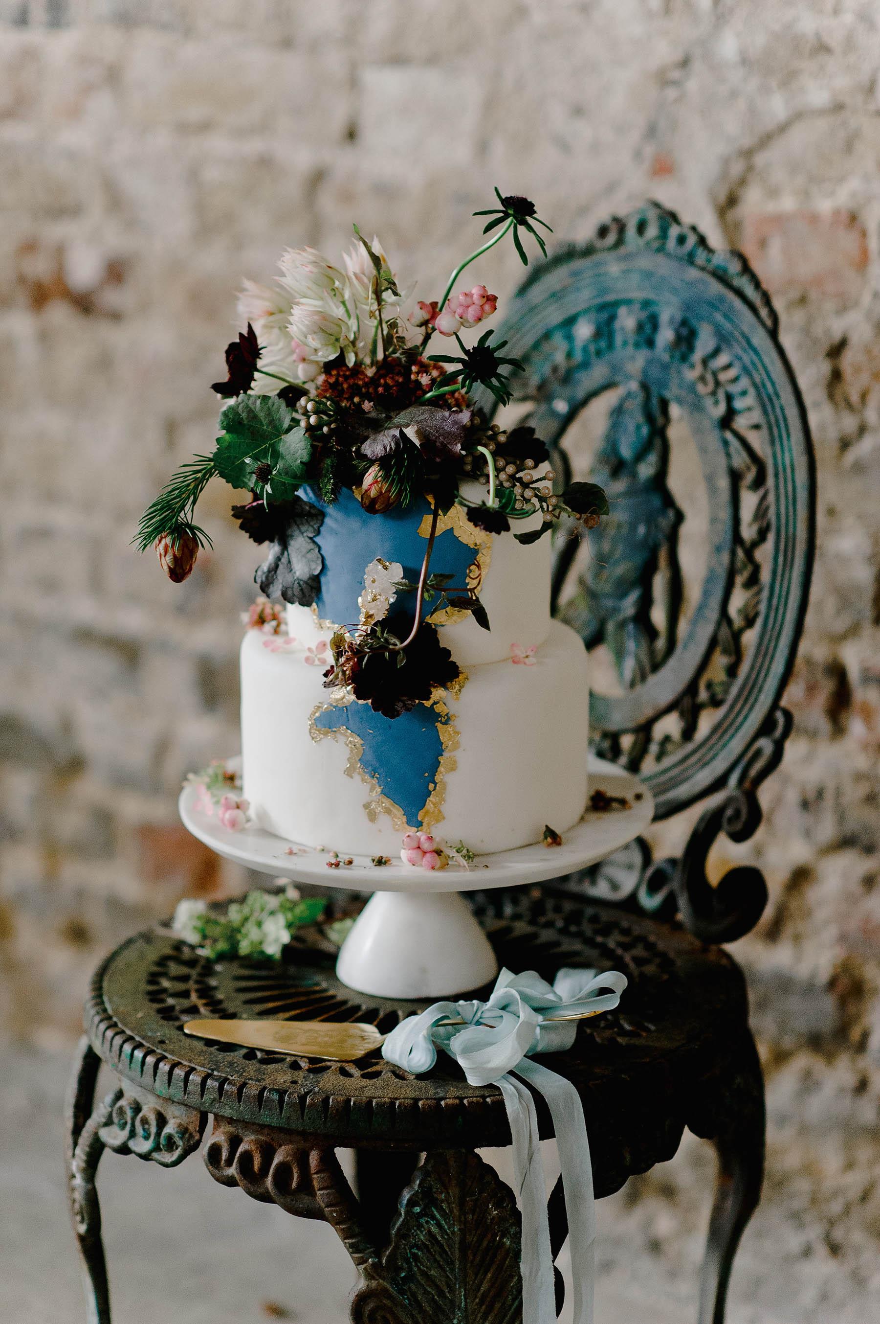 Baroque Small Wedding Cake