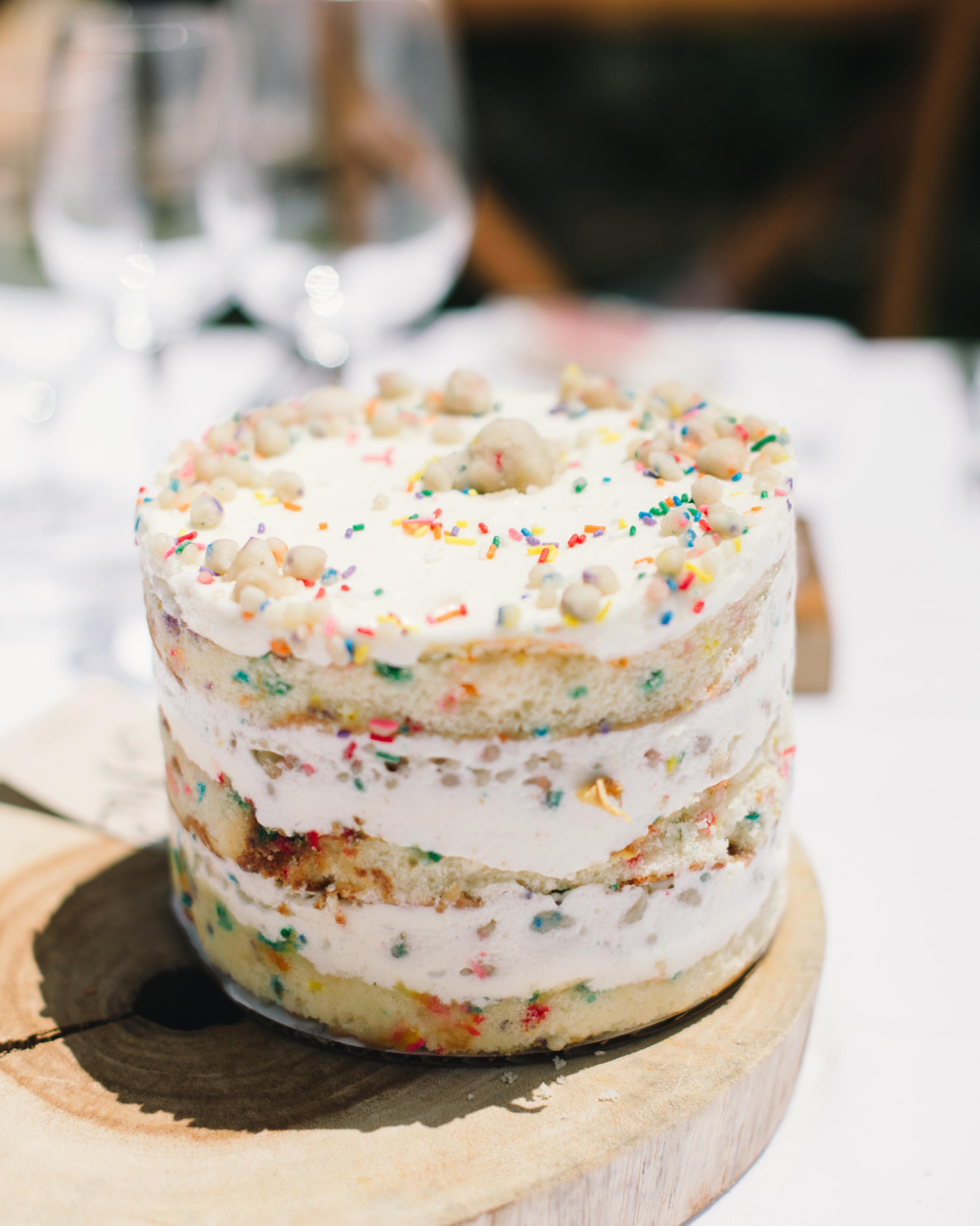 vanessa-joe-wedding-cake-7938-s111736-1214.jpg