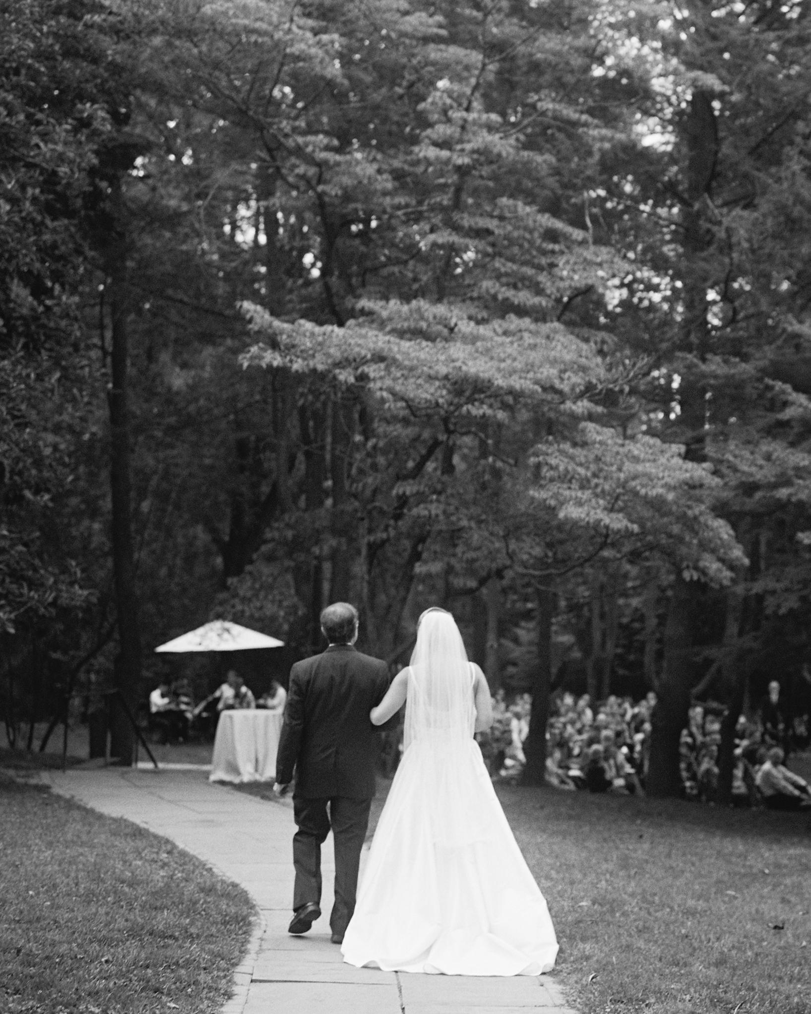 beth-scott-wedding-processional-0579-s112077-0715.jpg