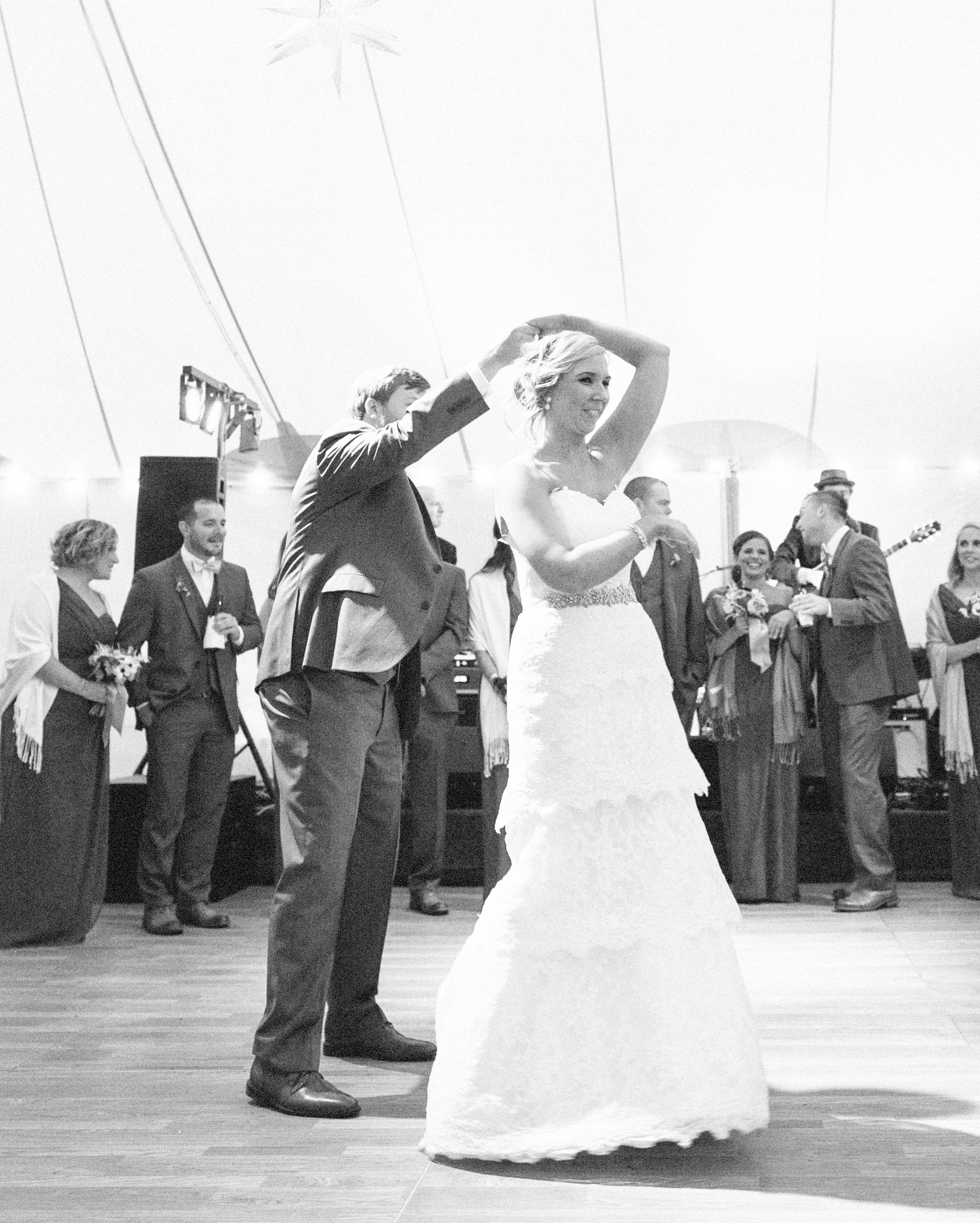 brittany-andrew-wedding-dance-090-s112067-0715.jpg
