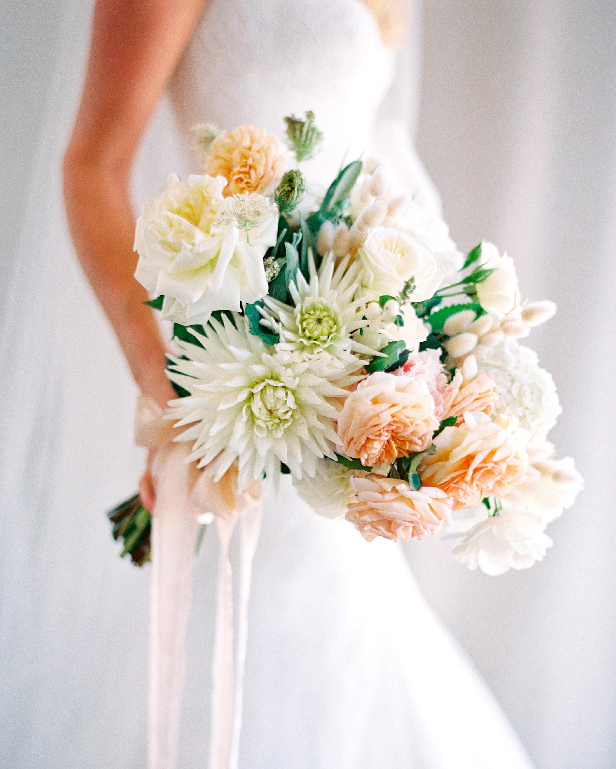 jemma-michael-wedding-bouquet-002582013-s112110-0815.jpg
