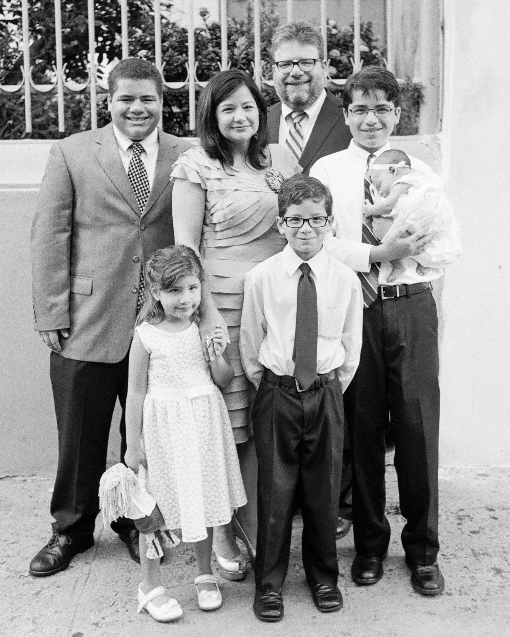 abby-jose-wedding-family-236-s112118-0815.jpg