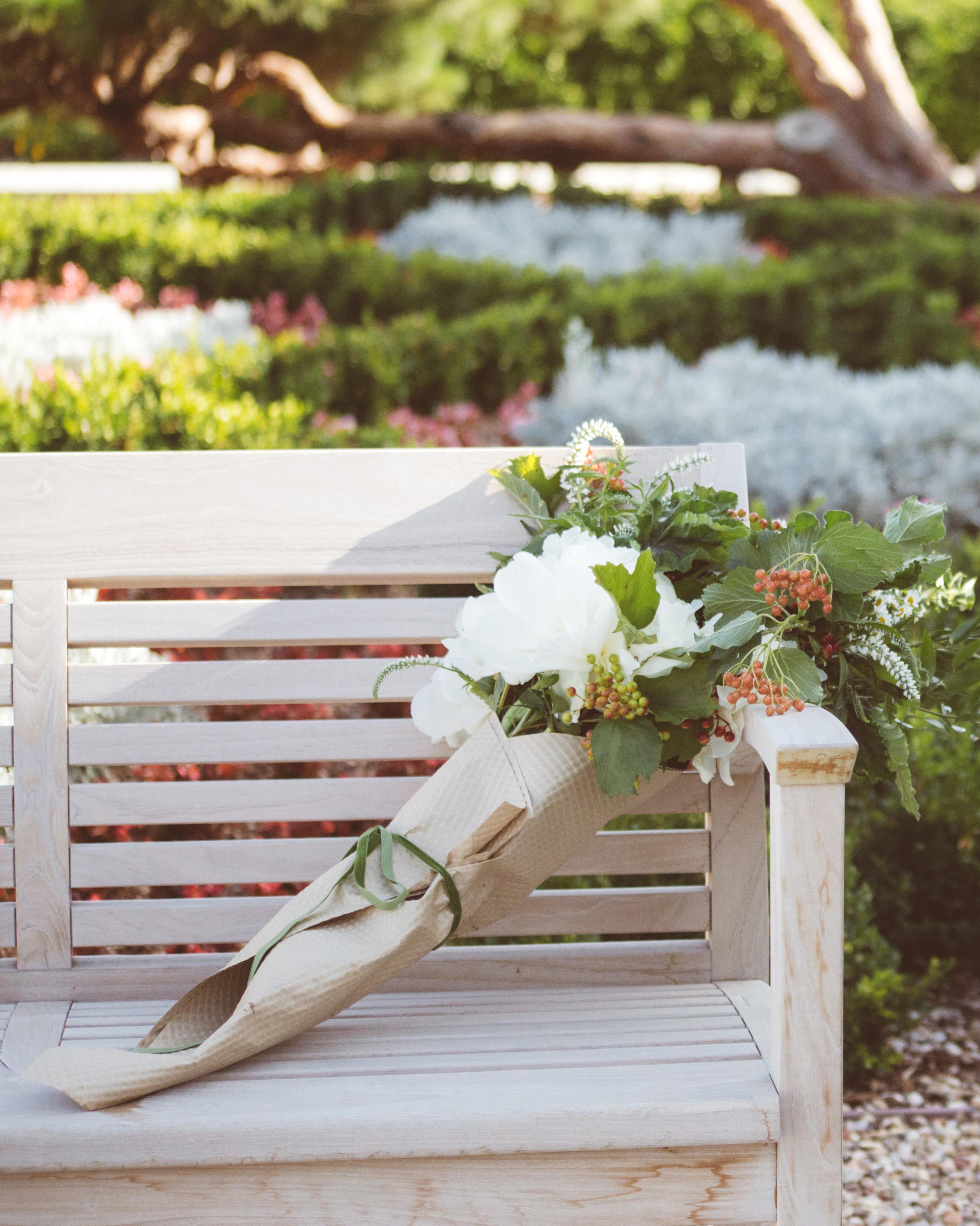 jessie-justin-proposal-flowers-2111-s112467-0915.jpg