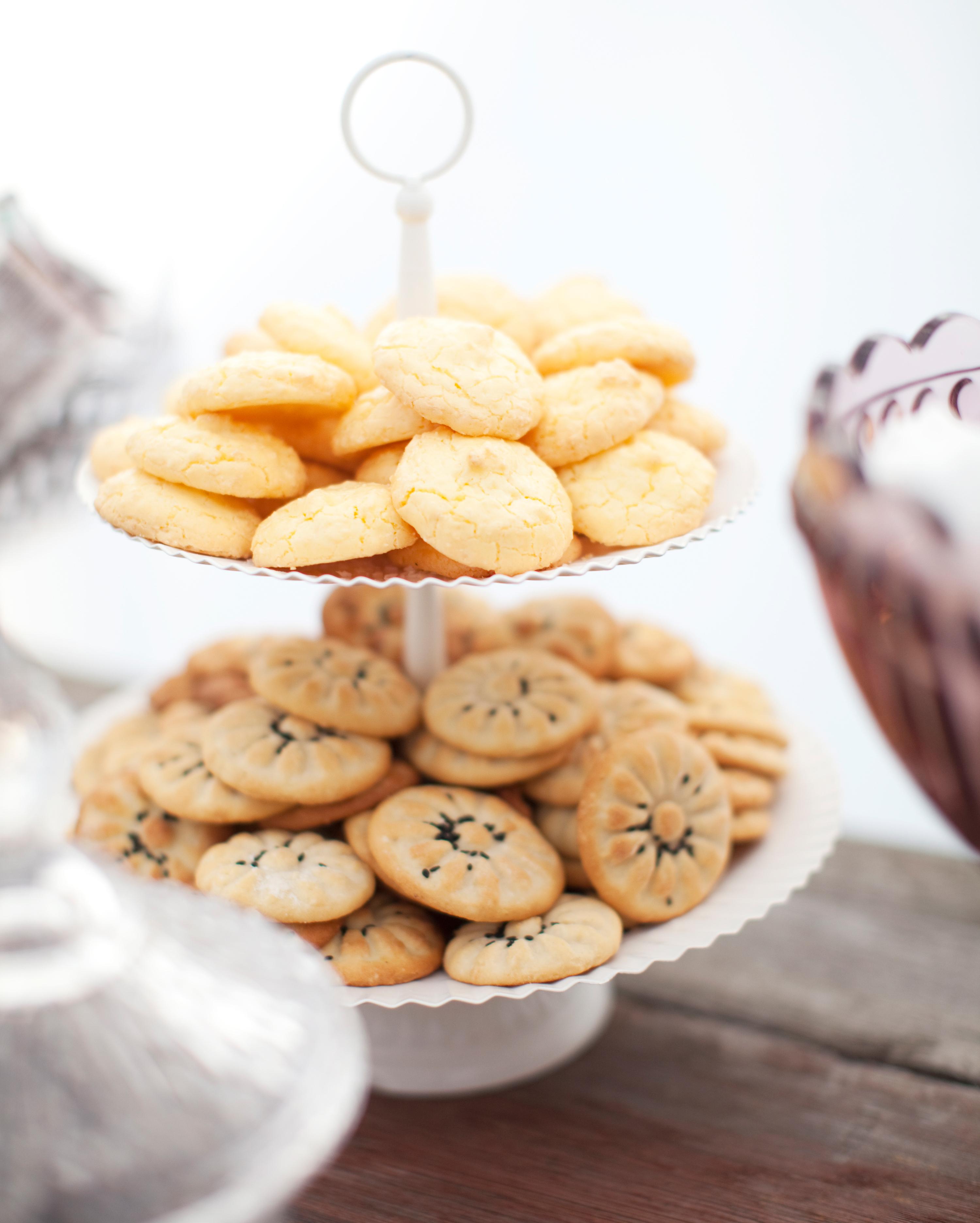 negin-chris-wedding-cookies-0556-s112116-0815.jpg