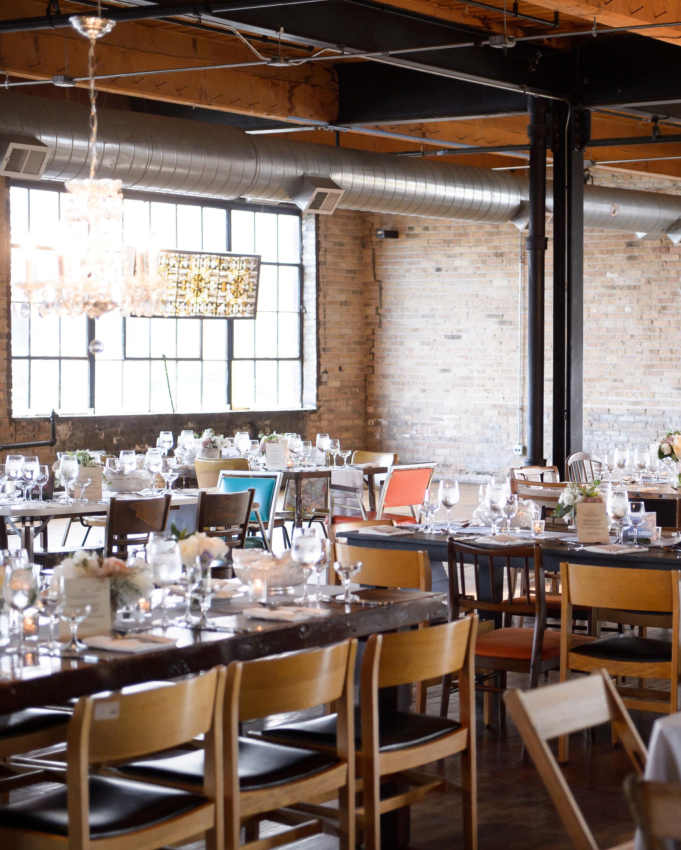 warehouse-wedding-venue-salvage-one-chicago-illinois-0815.jpg