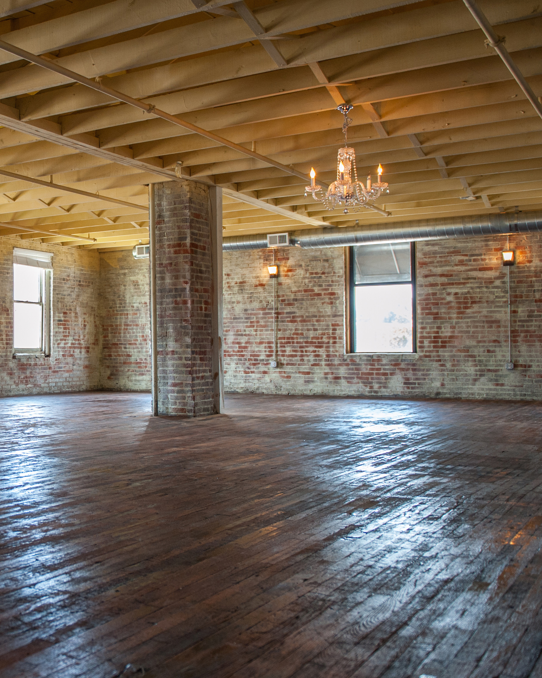 warehouse-wedding-venue-the-bottle-factory-charlotte-north-carolina-0815.jpg