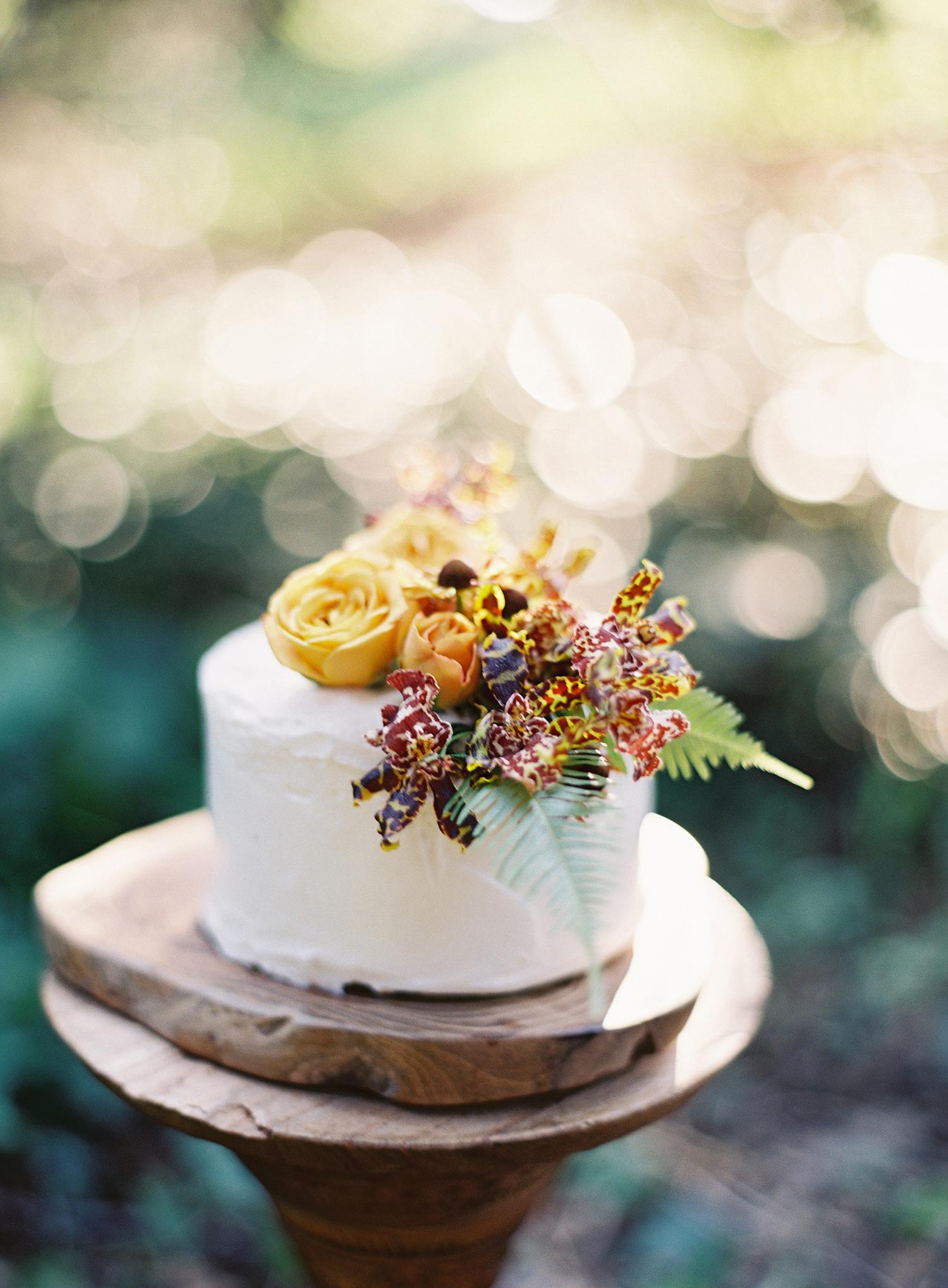 fall wedding cakes kurt boomer
