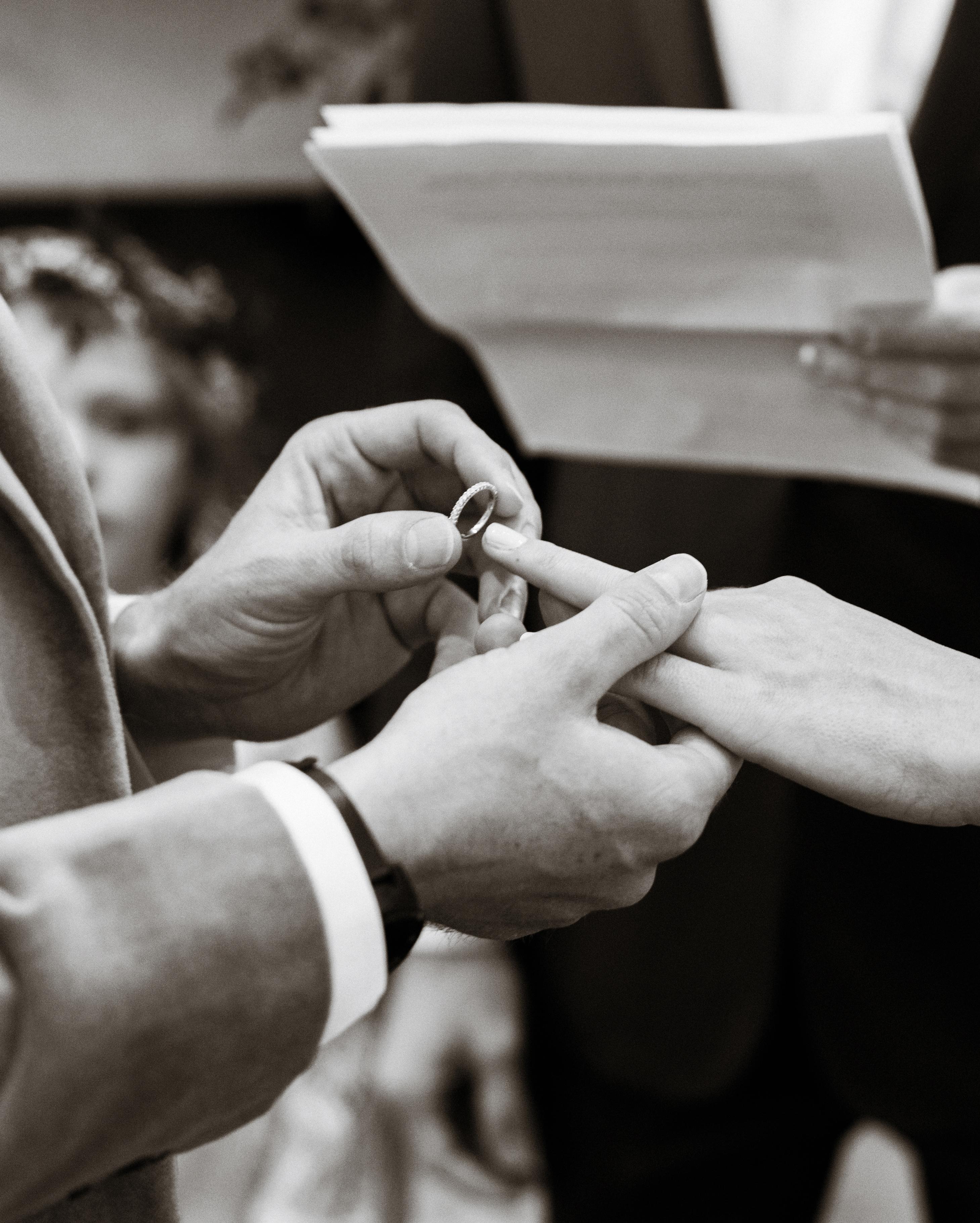 rachel-tyson-wedding-rings-072-s112158-0915.jpg