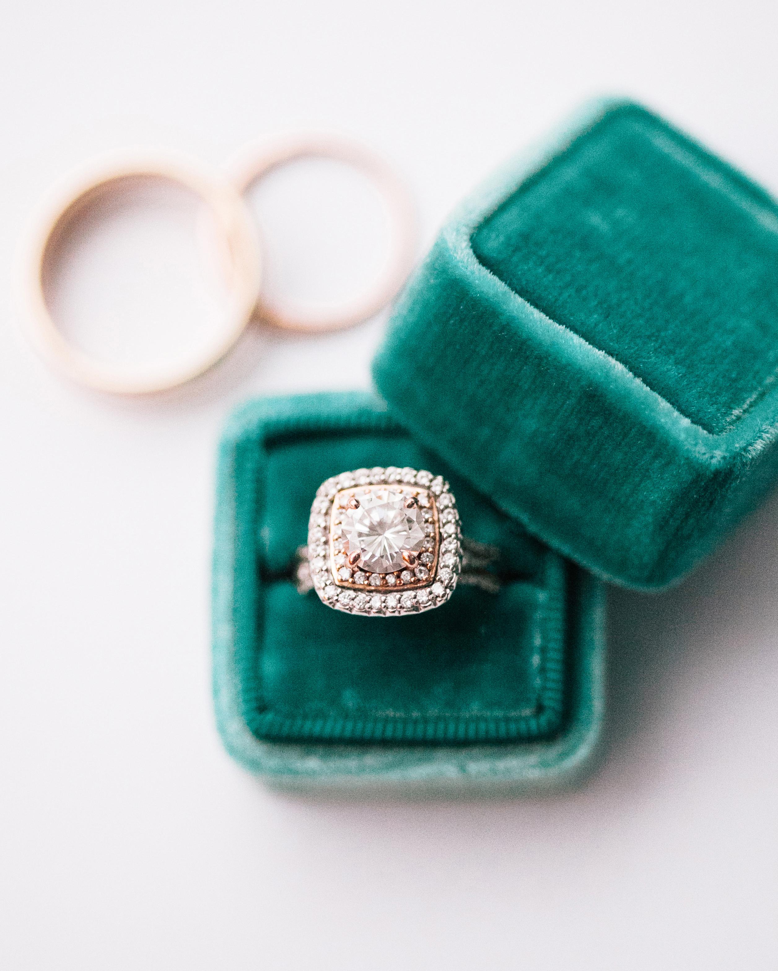 brittany-andrew-wedding-rings-088-s112067-0715.jpg