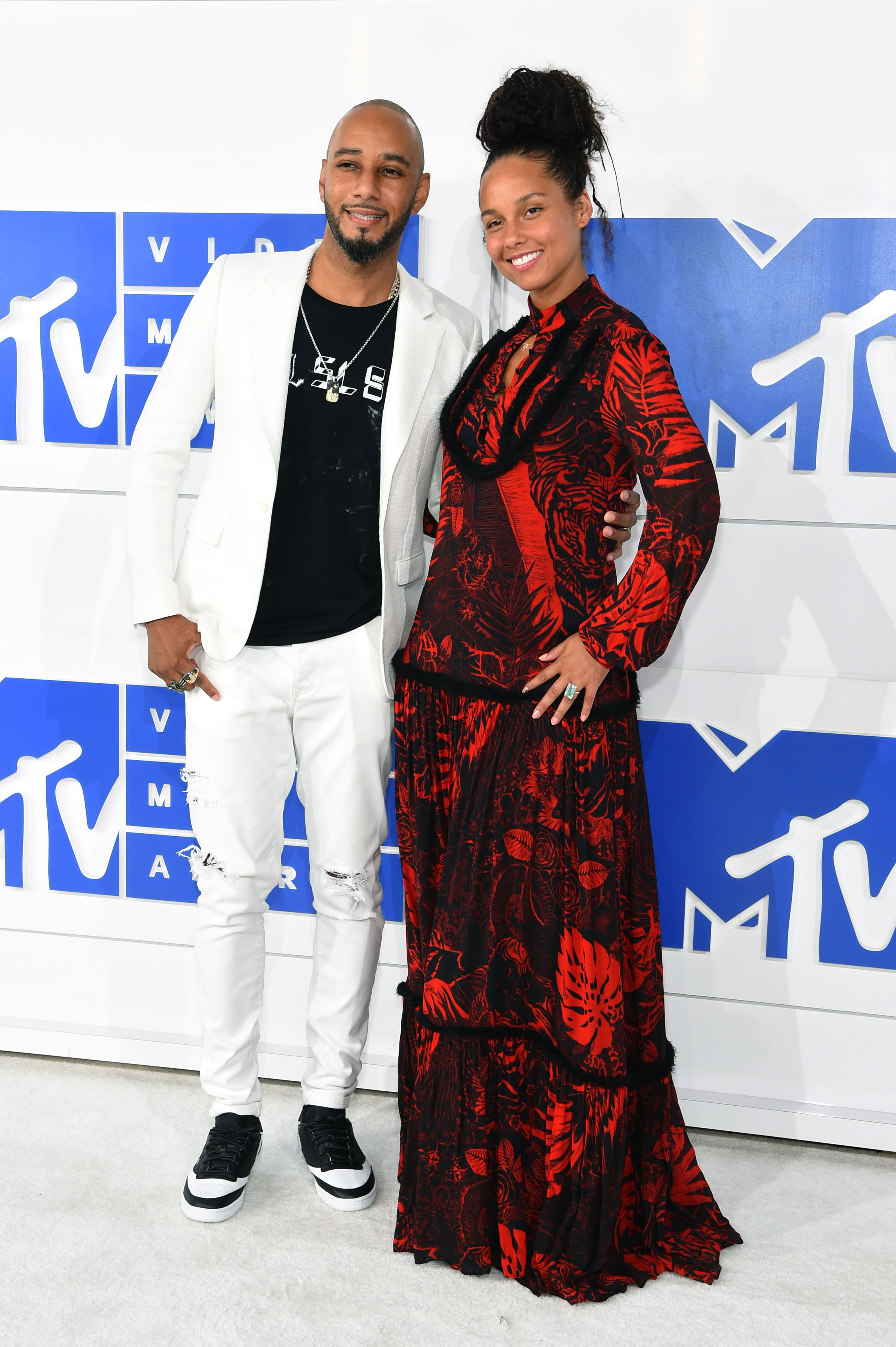 Alicia Keys Swizz Beatz VMAs 2016