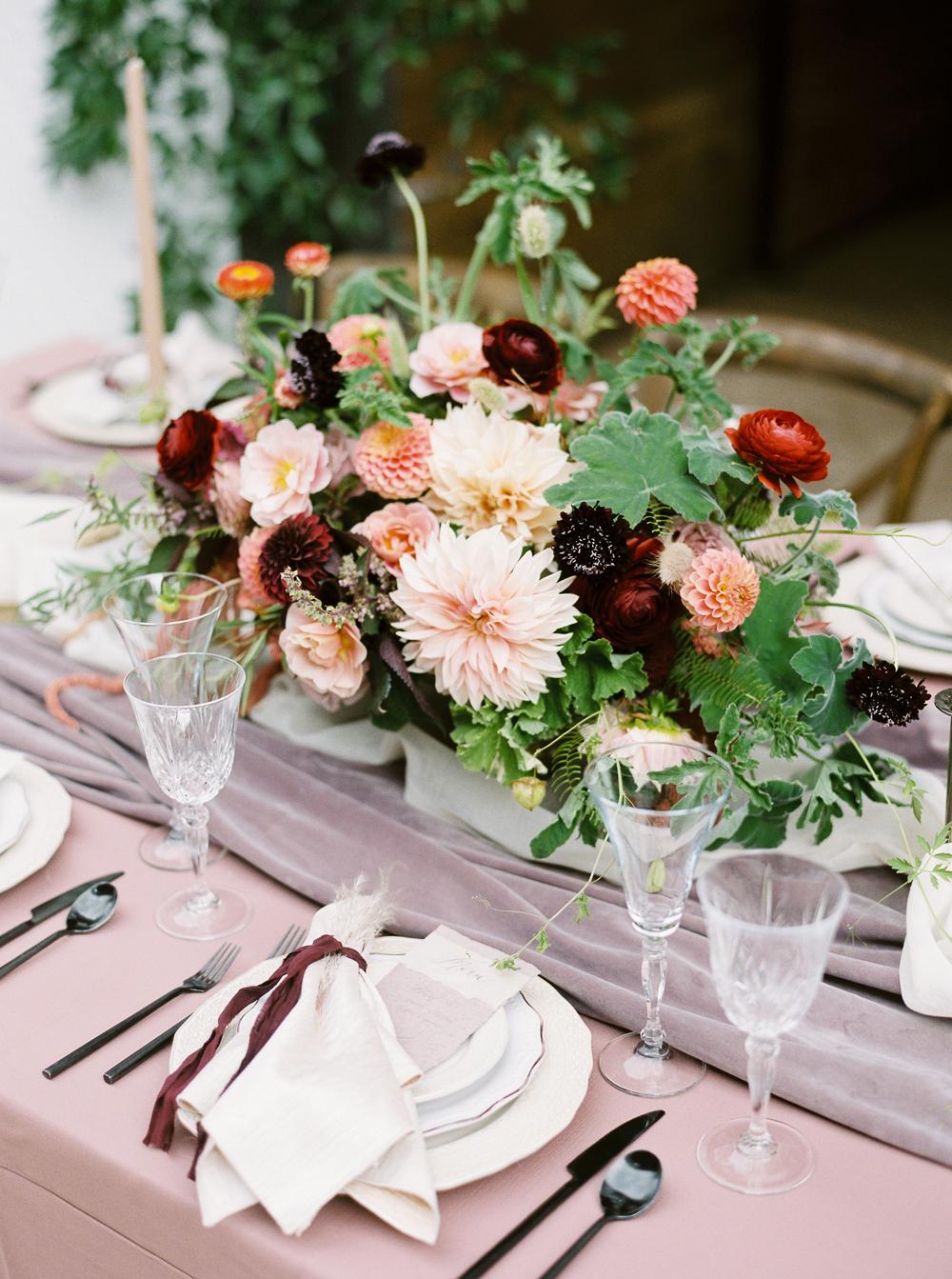 fall wedding flowers dahlias