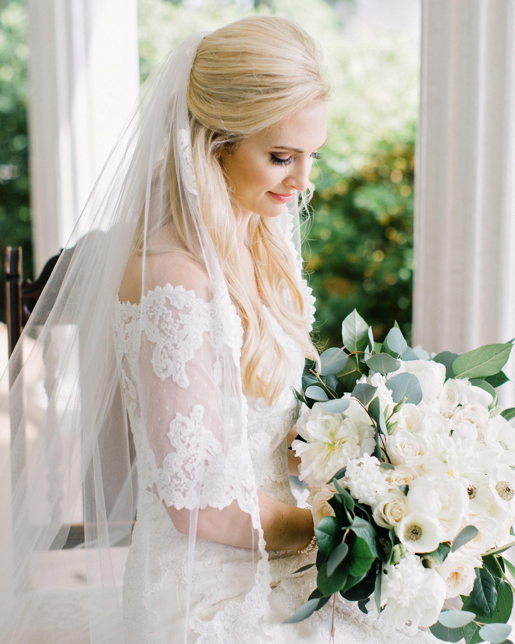 Wedding Hair Style For A Veil: Half-Up, Half-Down Wedding Hairstyles We Love