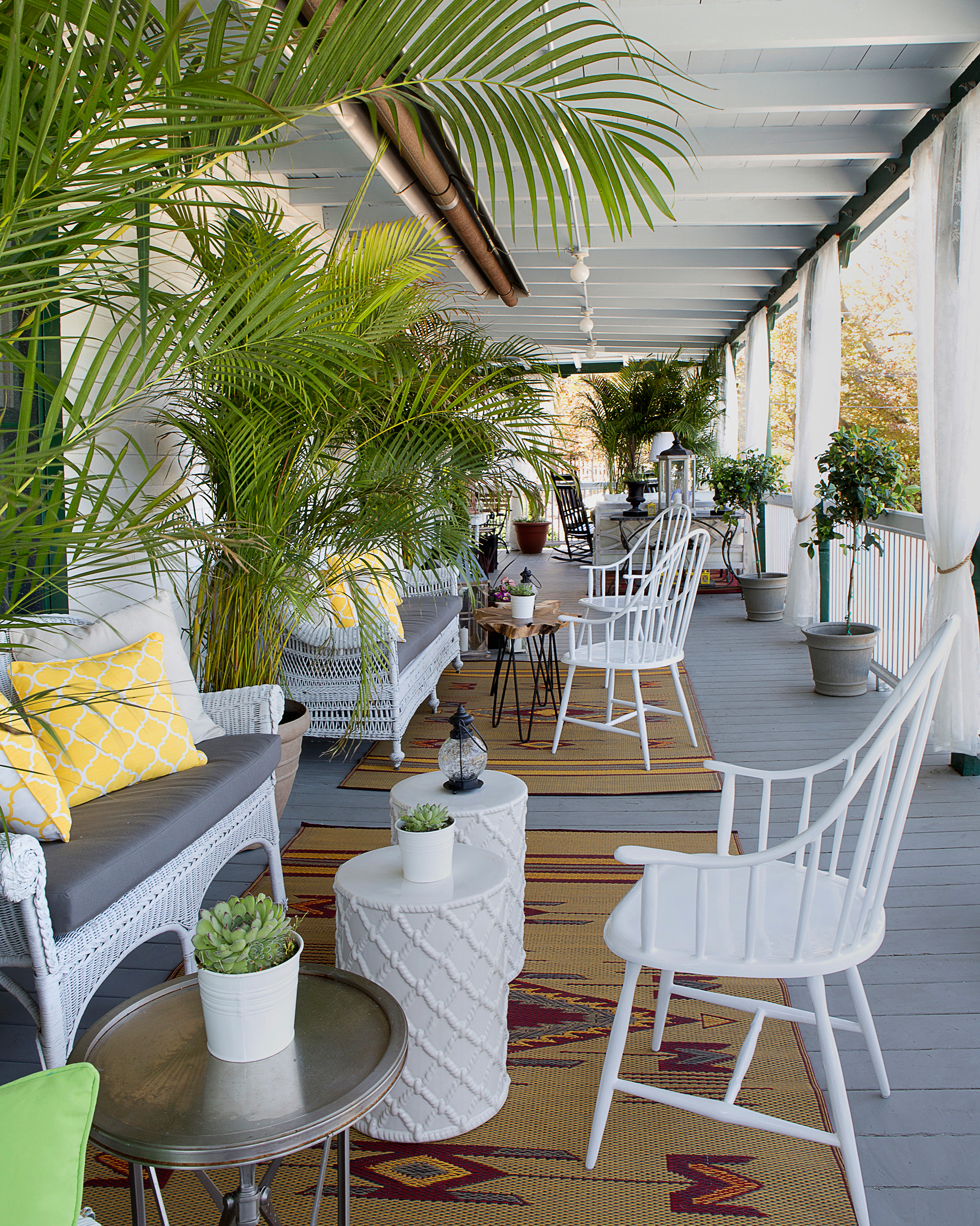 us-islands-shelter-island-chequit-hotel-porch-1115.jpg