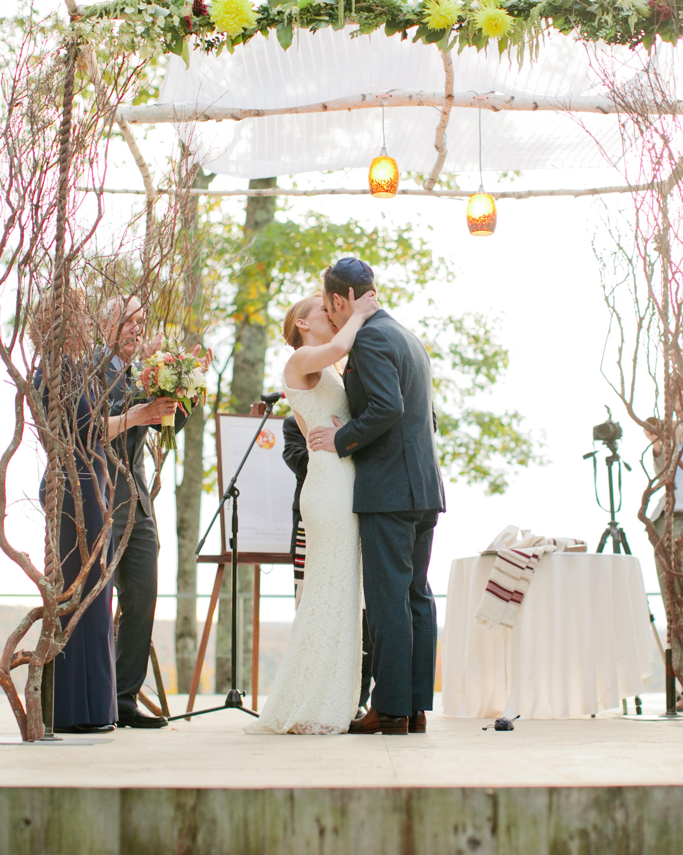 jess-steve-wedding-kiss-96-s112362-1115.jpg