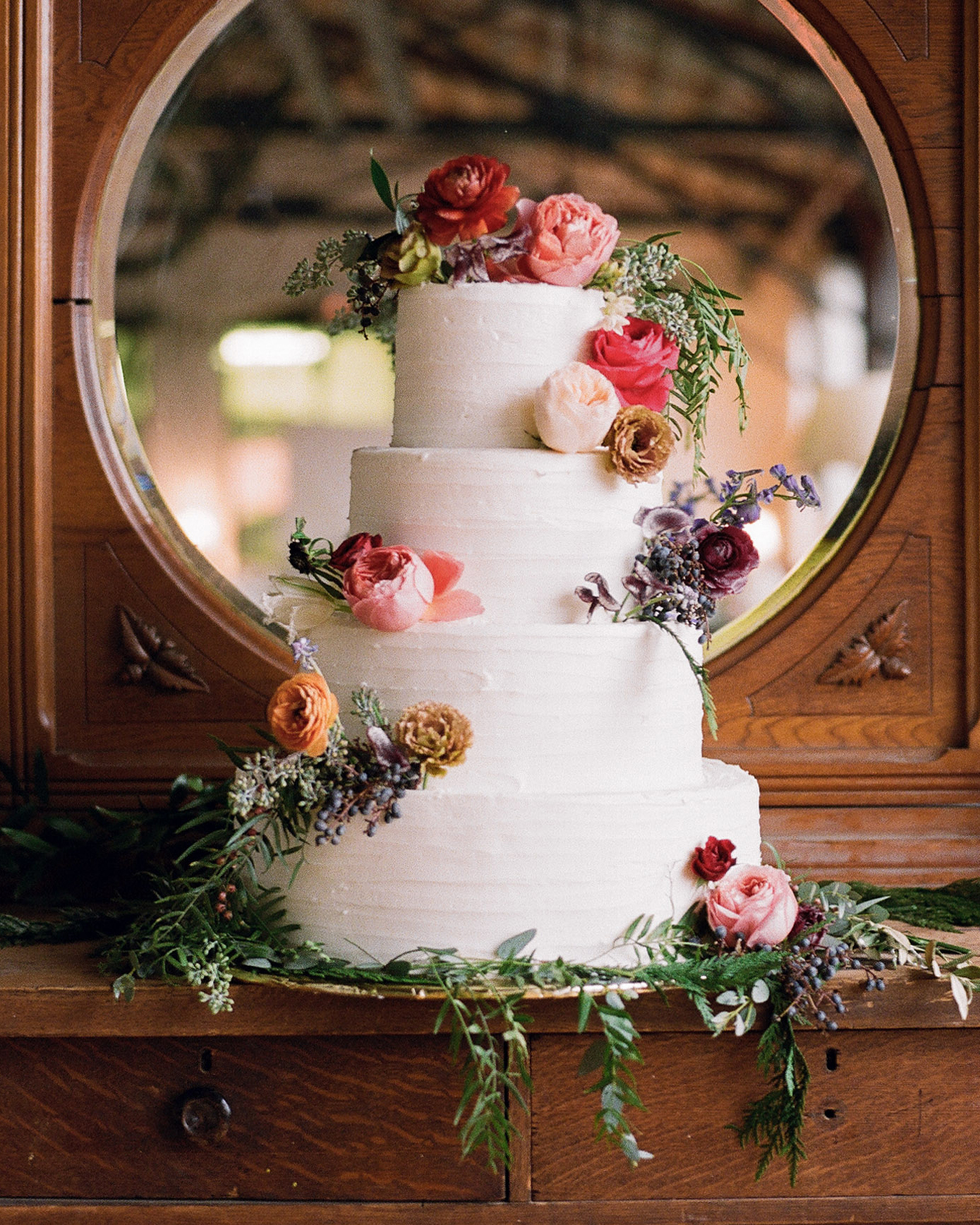 sidney-dane-wedding-cake-317-s112109-0815.jpg