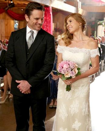 tv-wedding-dresses-nashville-rayna-deacon-connie-britton-0316.jpg