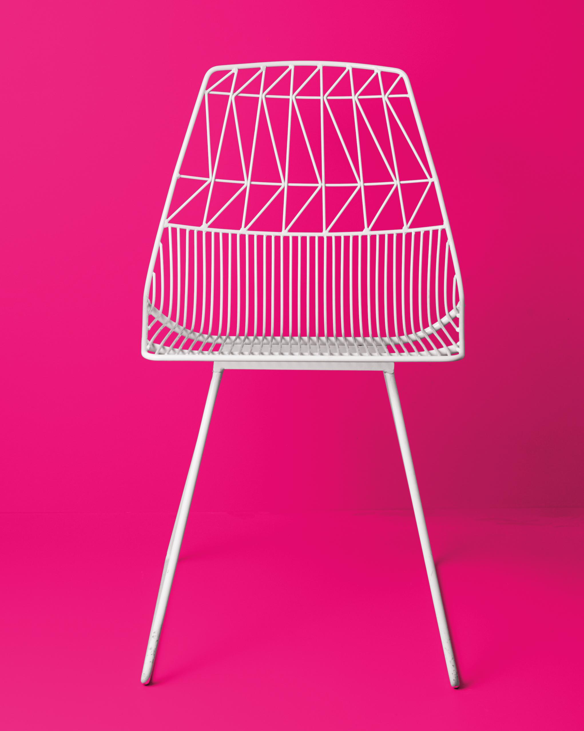 white-metal-chair-015-d112473.jpg