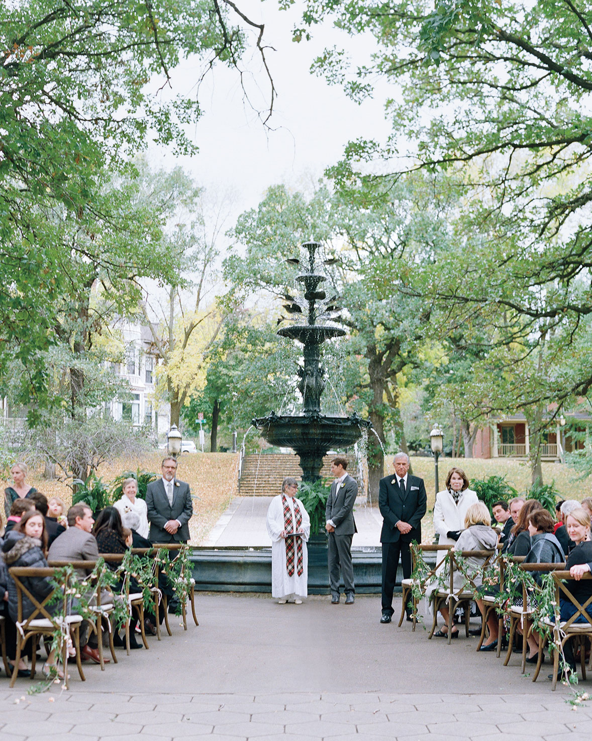 adrienne-jason-wedding-minnesota-ceremony-aisle-0382-s111925.jpg