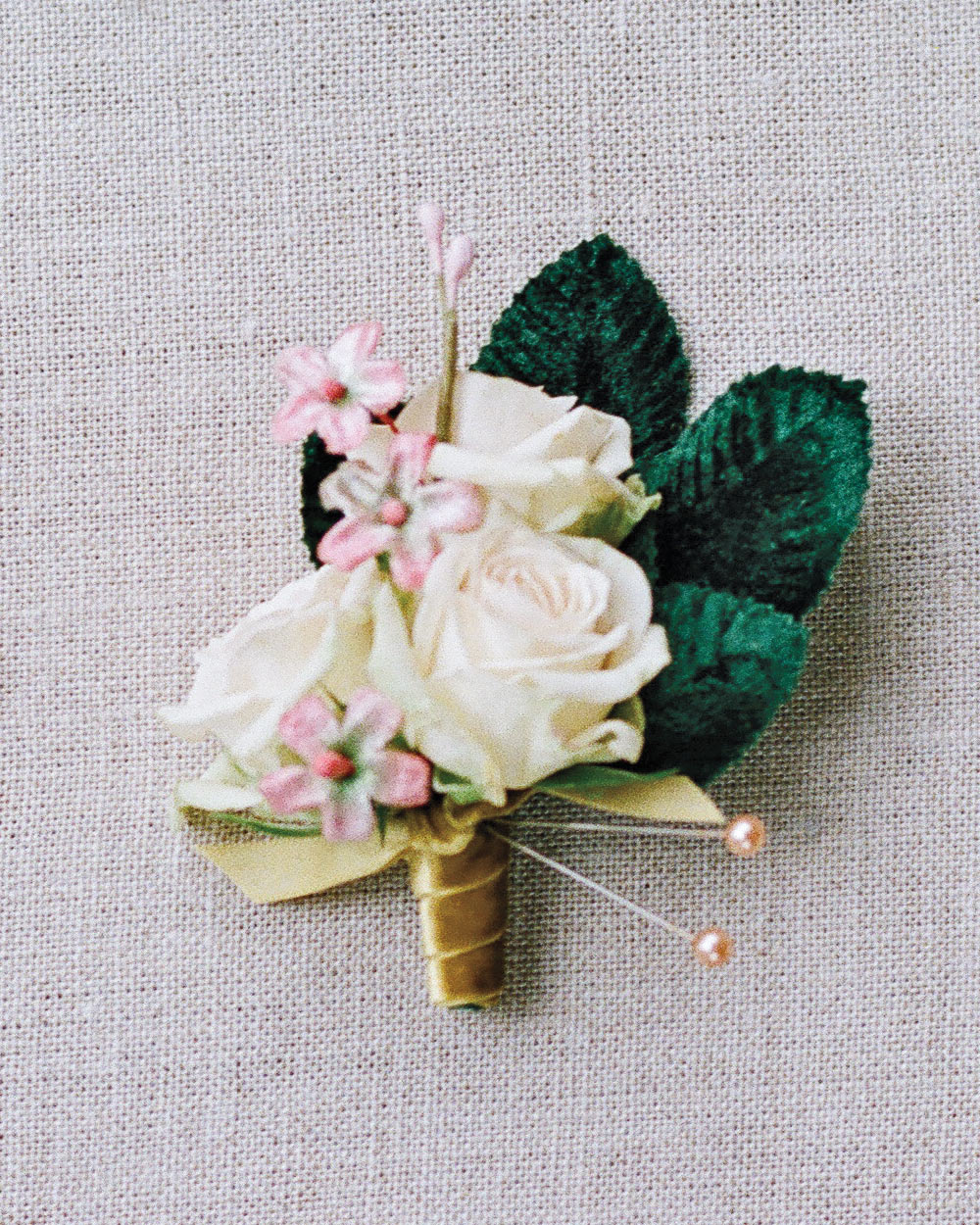 adrienne-jason-wedding-minnesota-boutonnieres-0292-s111925.jpg