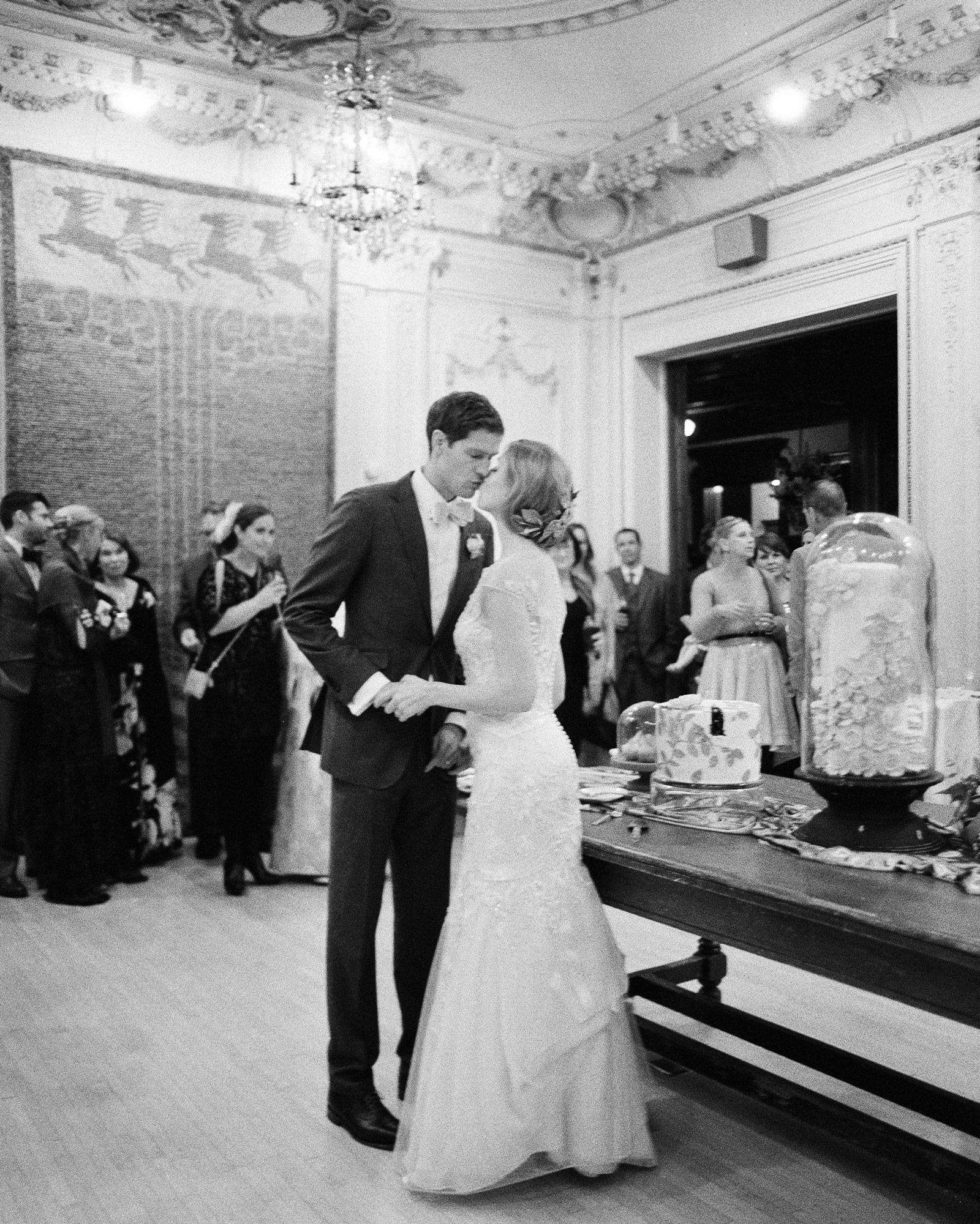 adrienne-jason-wedding-minnesota-cakecutting-0486-s111925.jpg