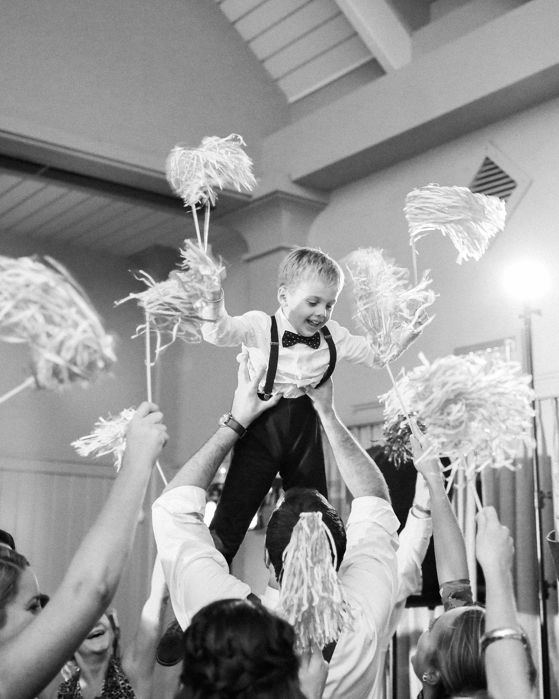 taylor-john-wedding-crowd-surfing-289-s113035-0616.jpg