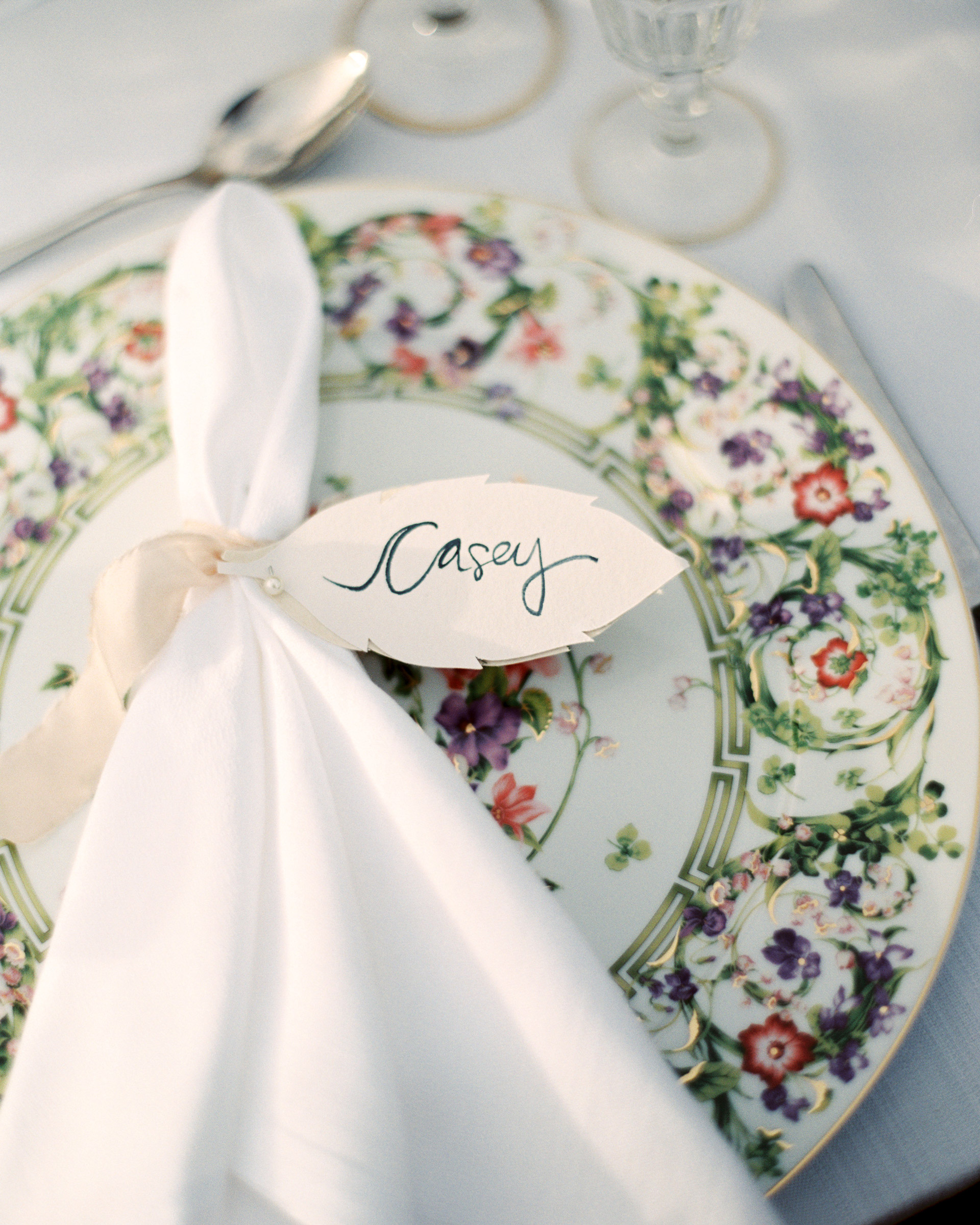 christine-dagan-wedding-placesetting-4319_01-s113011-0616.jpg